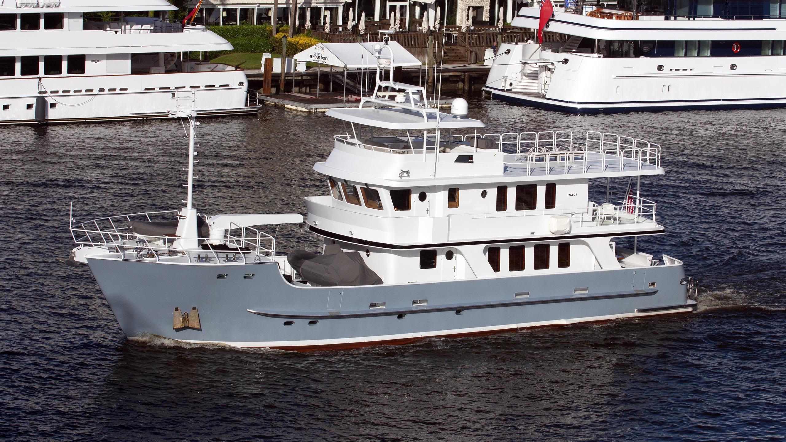 audacious-yacht-exterior