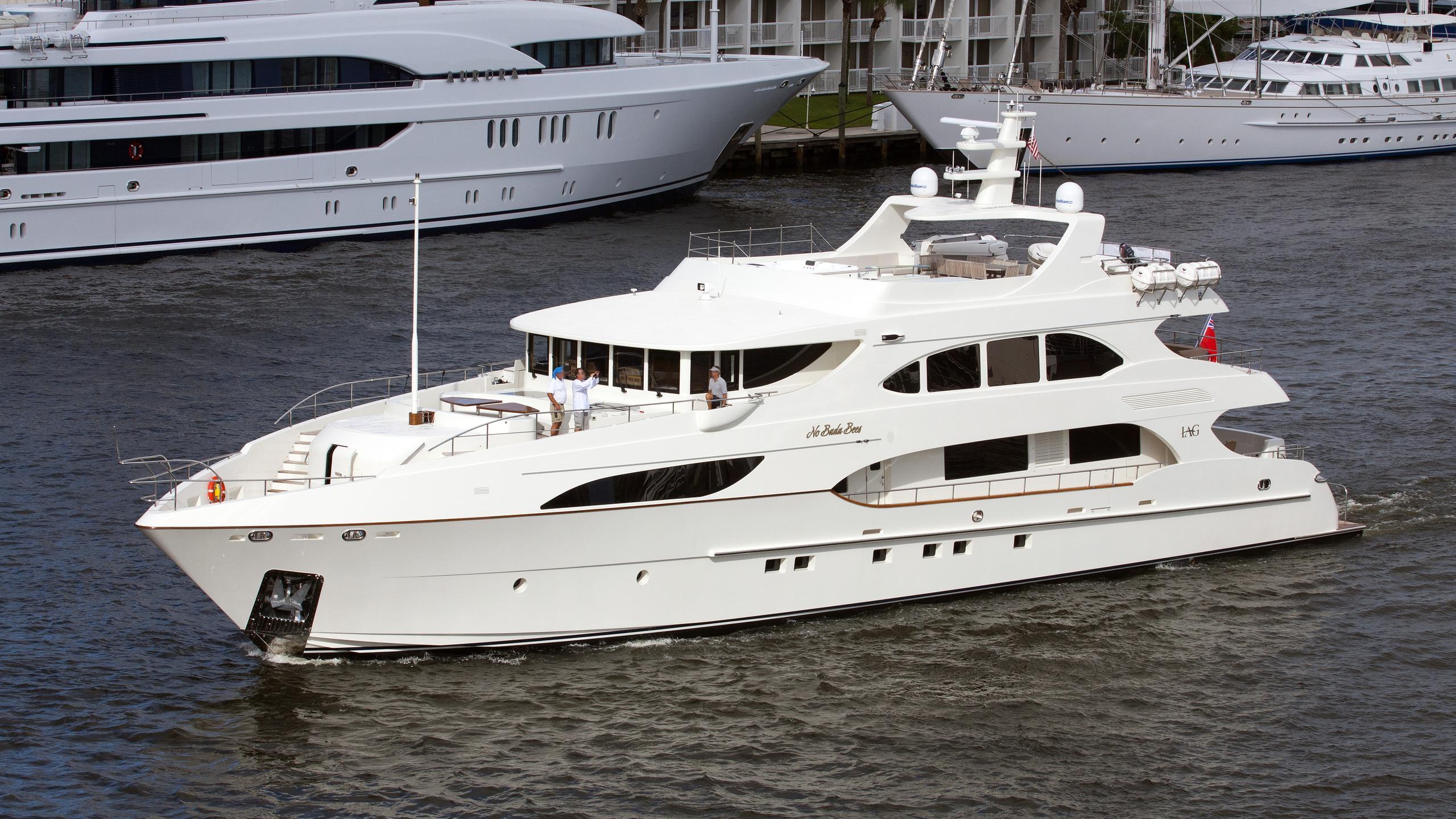 no-bada-bees-yacht-exterior