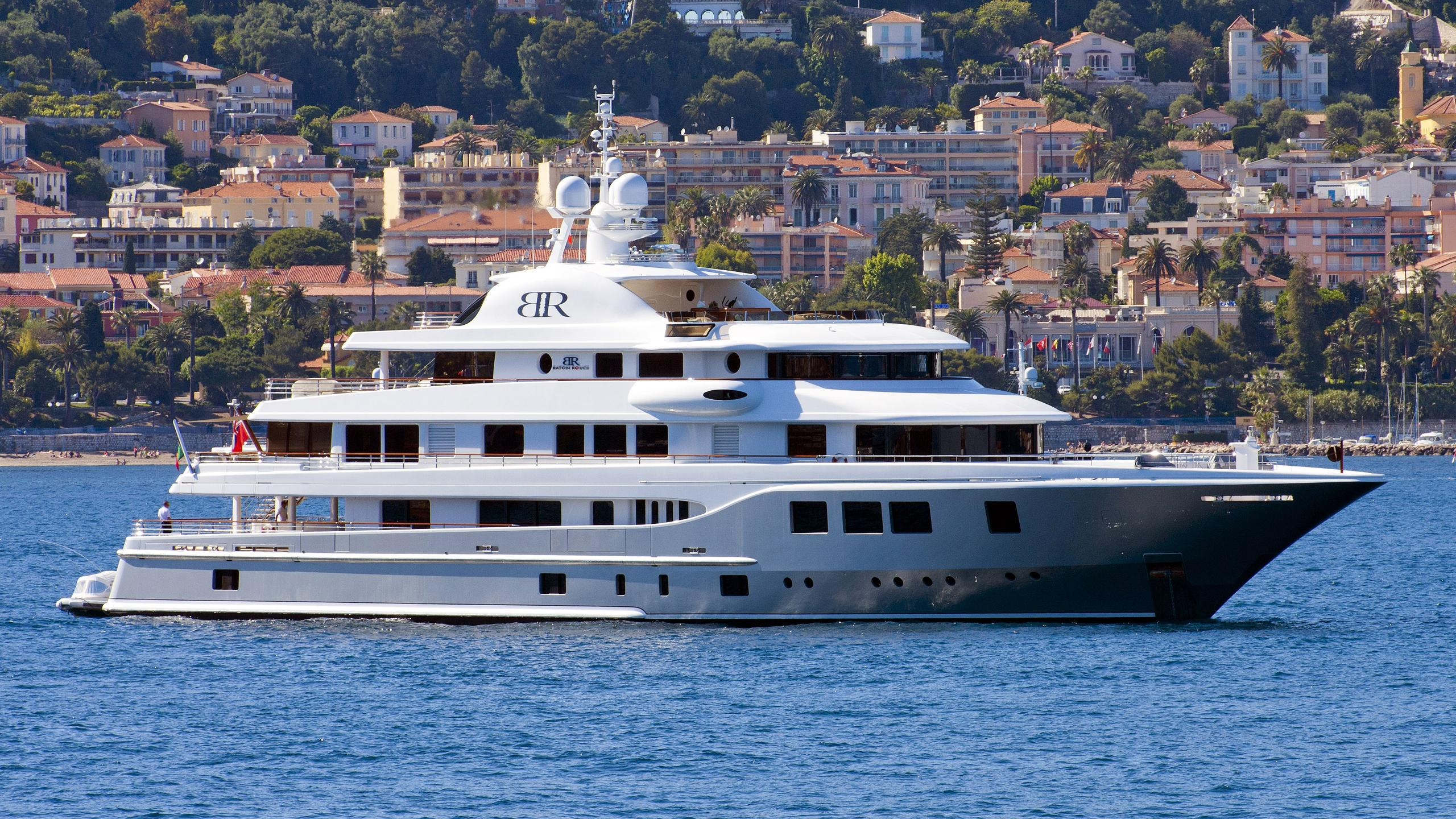 baton-rouge-yacht-exterior