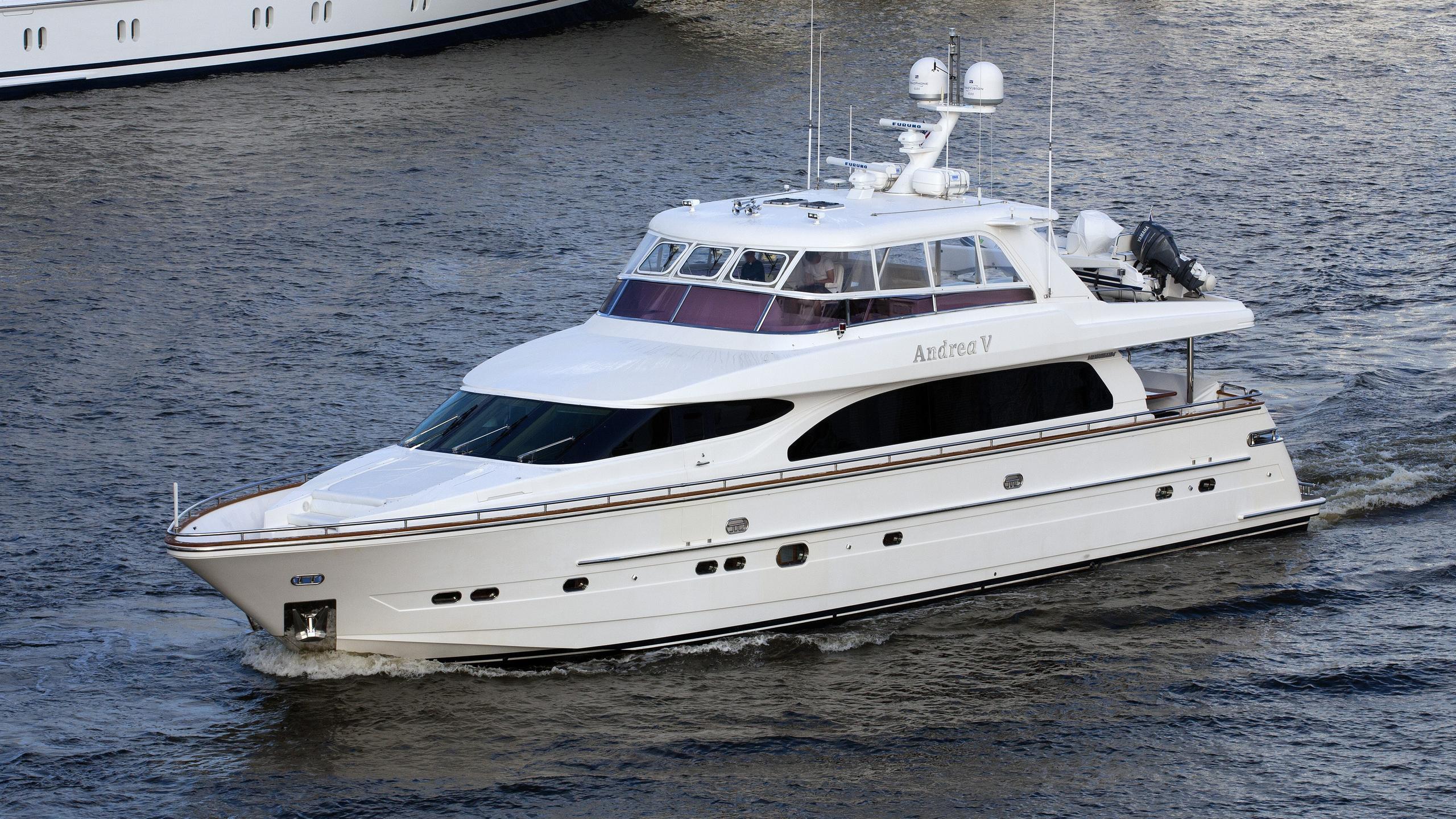 andrea-v-yacht-exterior