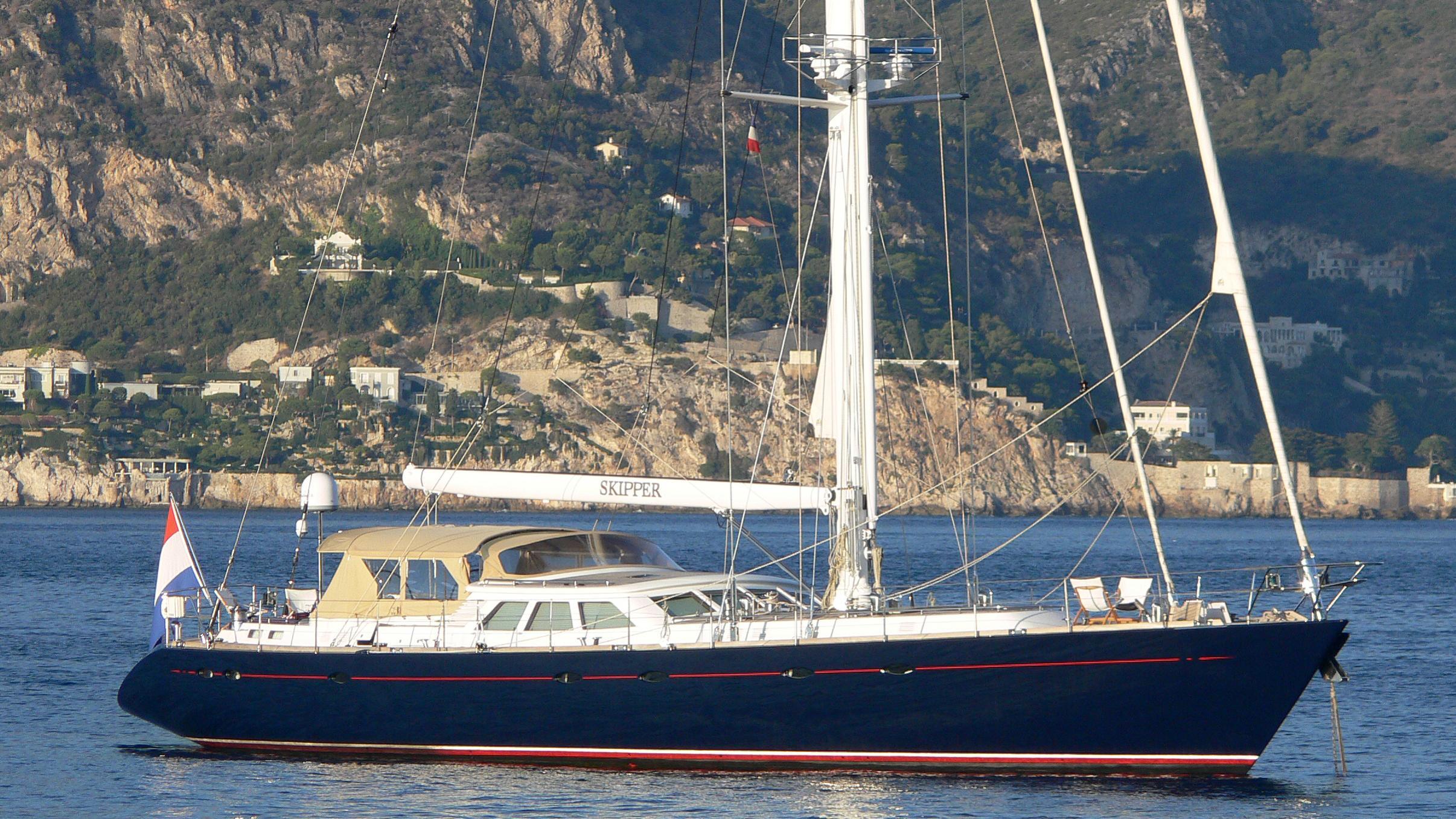 skipper-yacht-exterior