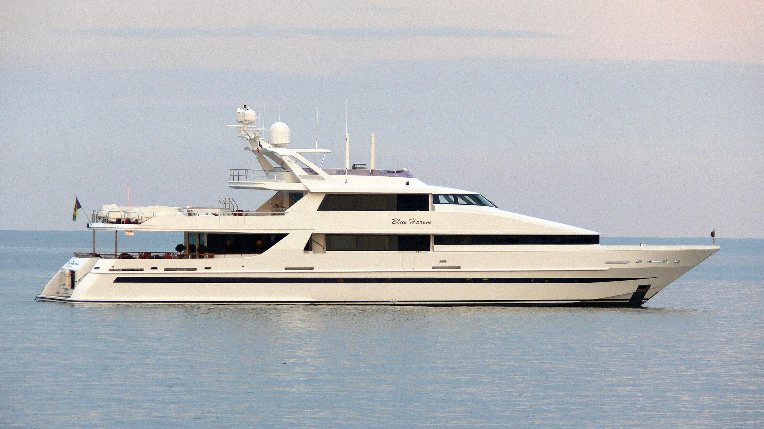 life-saga-motor-yacht-heesen-1994-42m-profile-before-refit