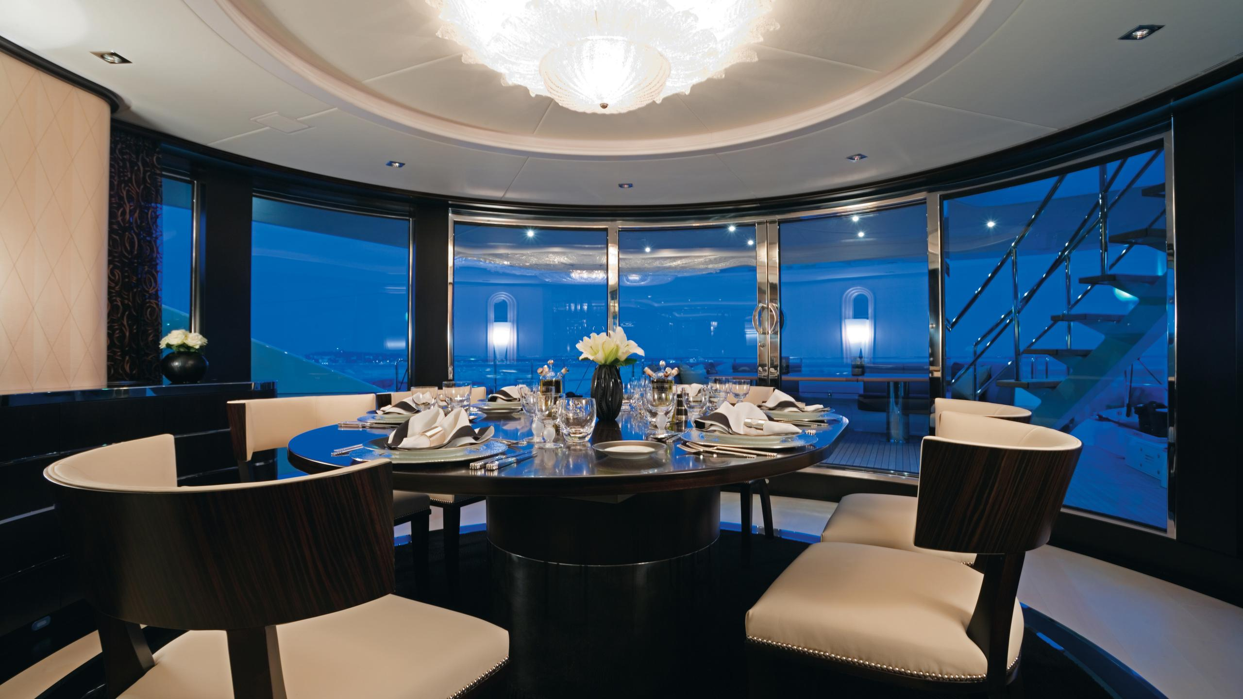 g-force-yacht-formal-dining