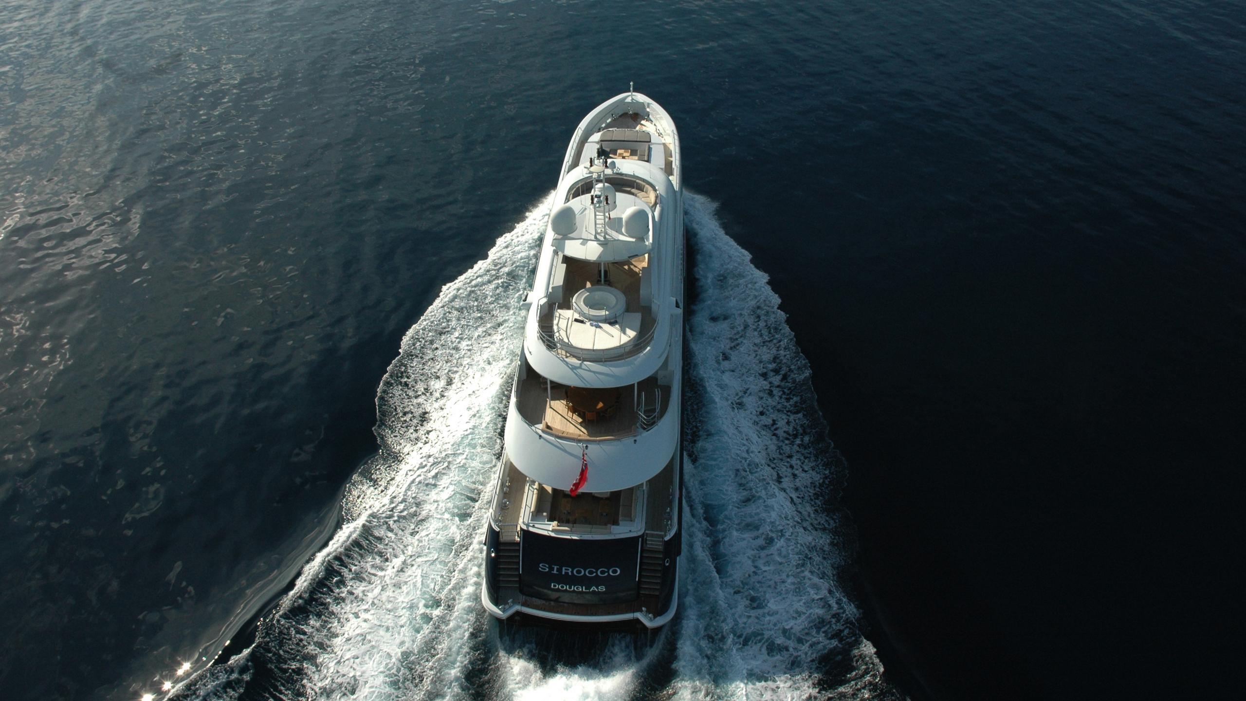 sirocco-yacht-stern