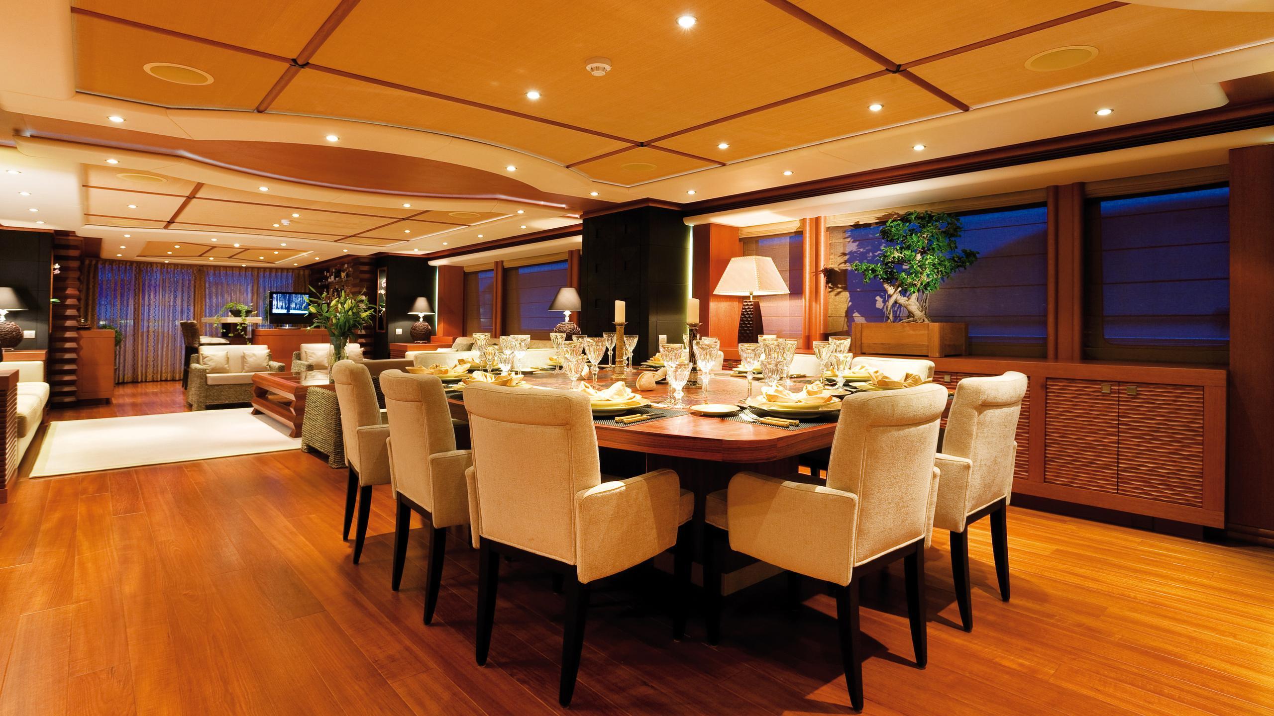 sirocco-yacht-formal-dining