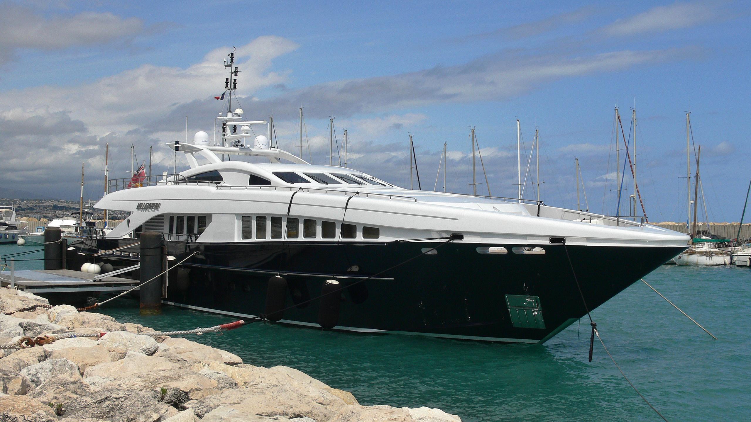 lequinox chrimi ii millennium motoryacht heesen yachts 2006 37m half profile