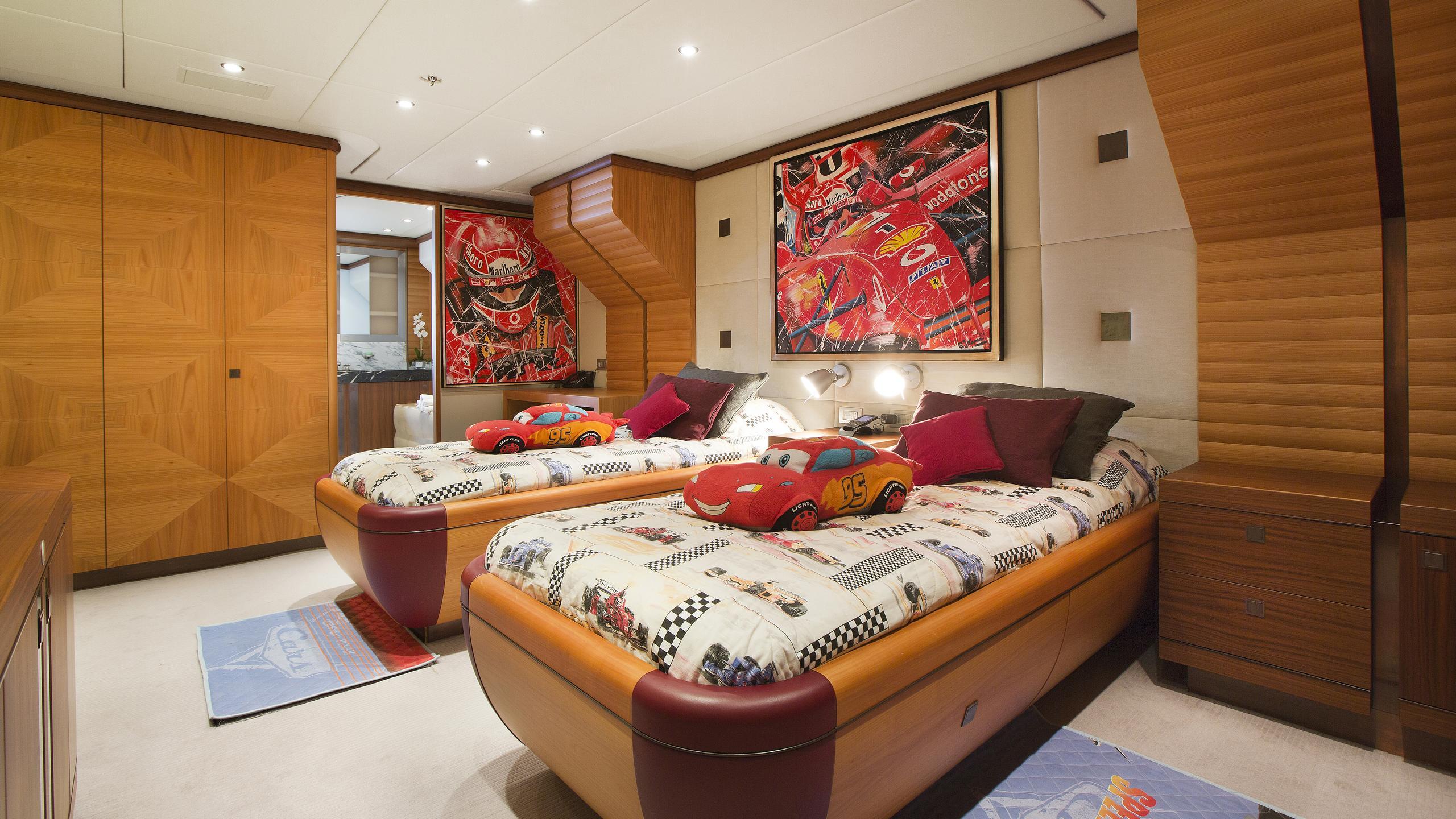 let-it-be-yacht-twin-cabin