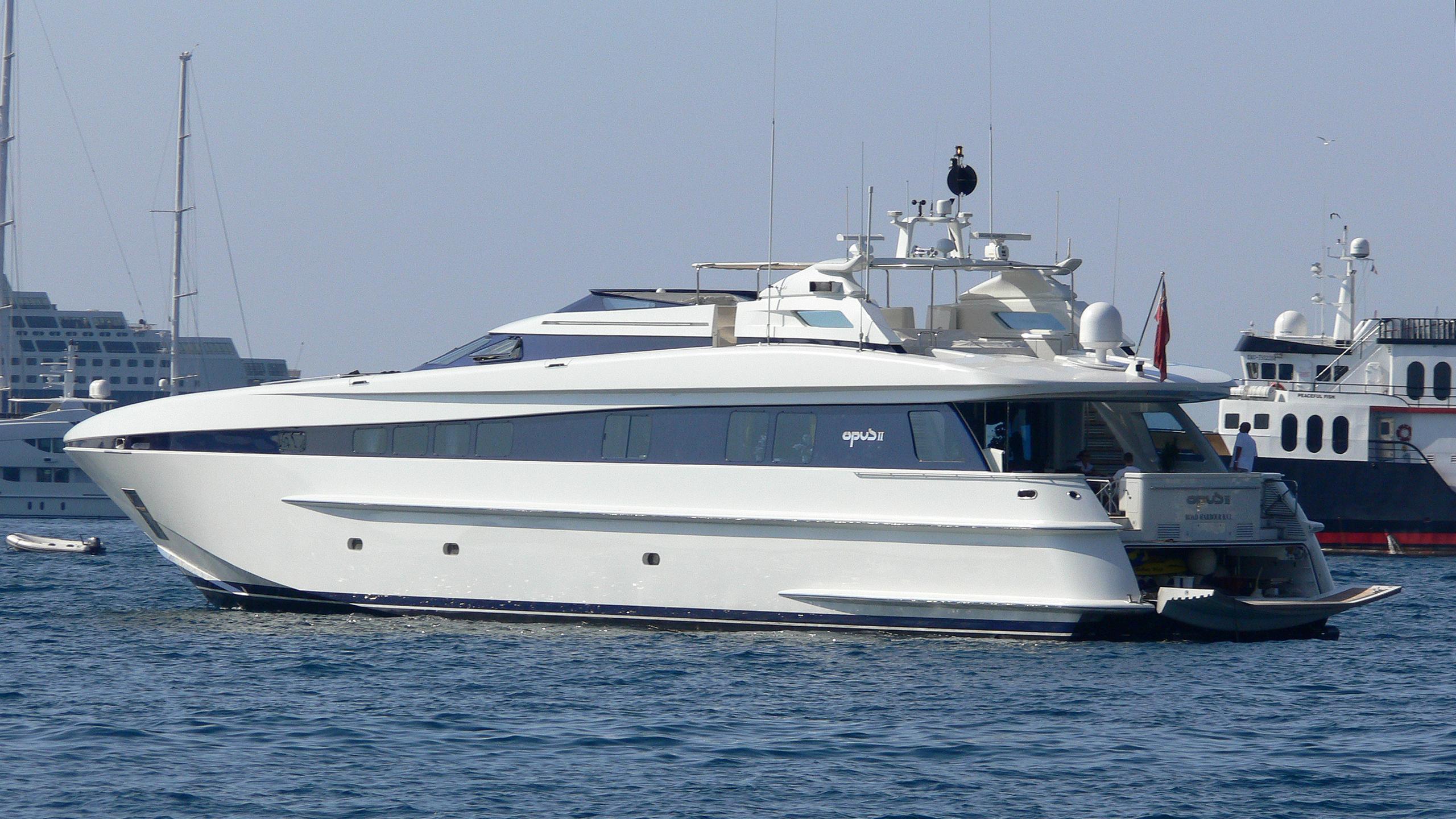 opus-ii-yacht-exterior