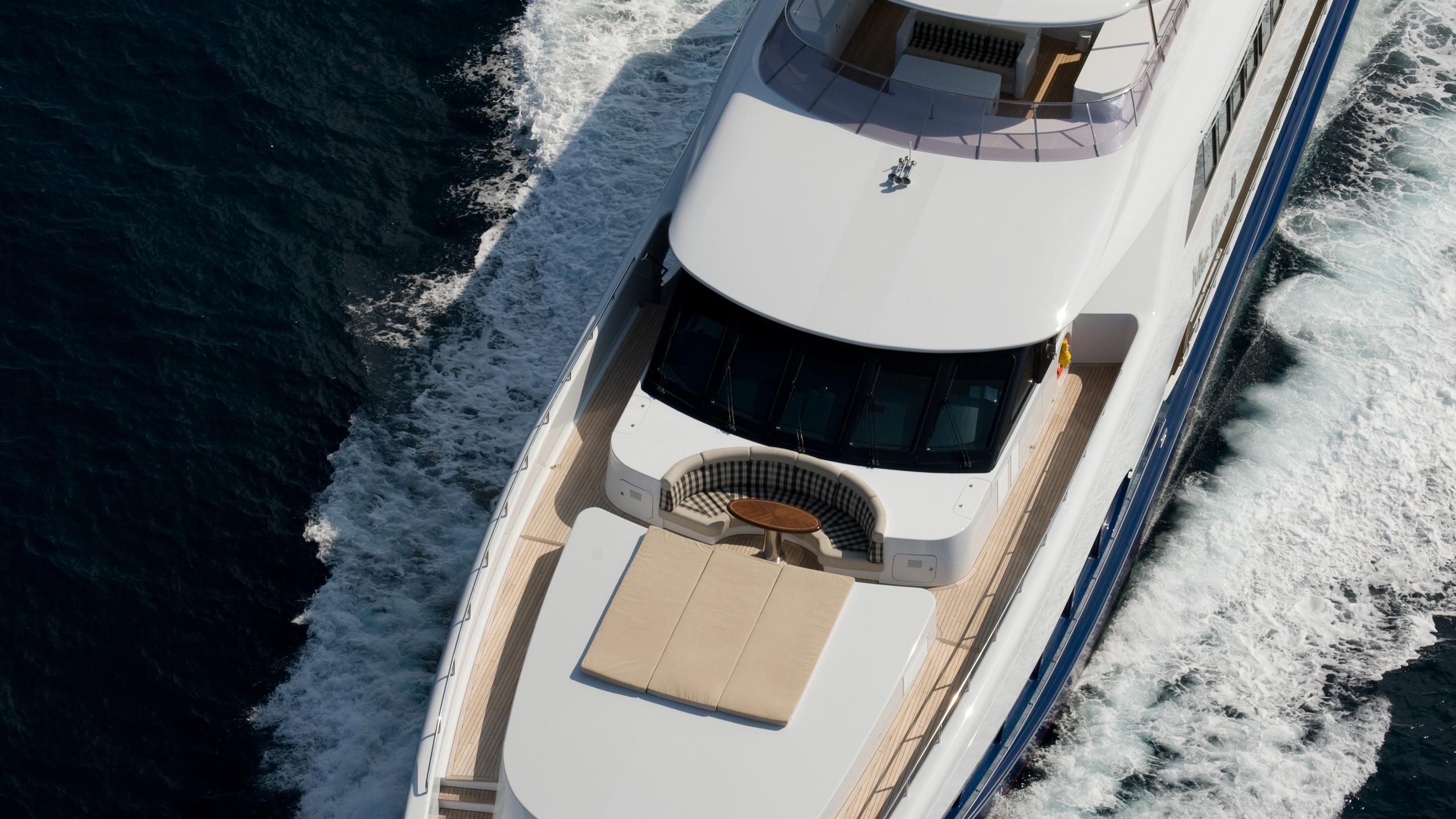 mac-brew-yacht-aerial