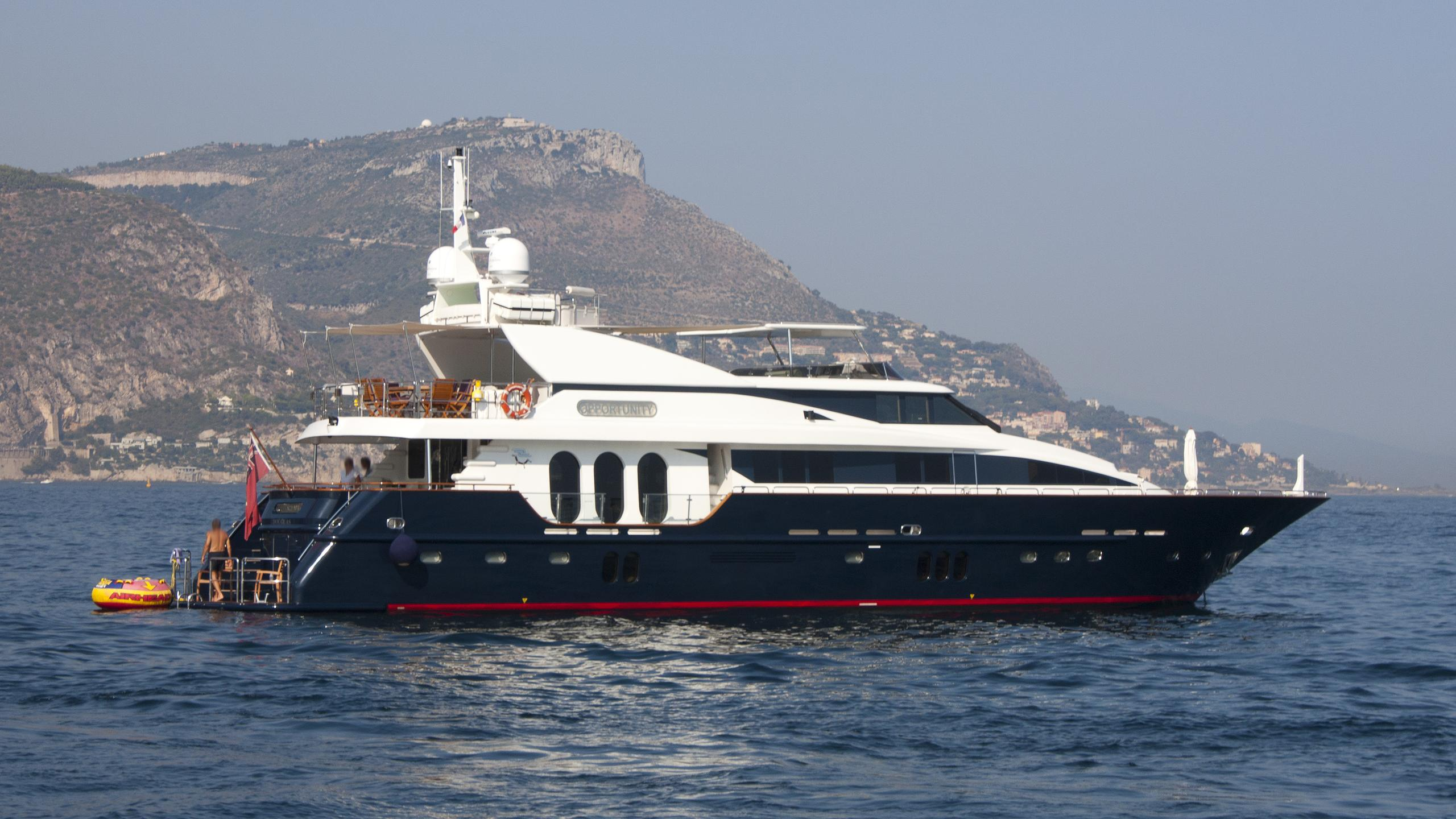 opportunity-yacht-exterior