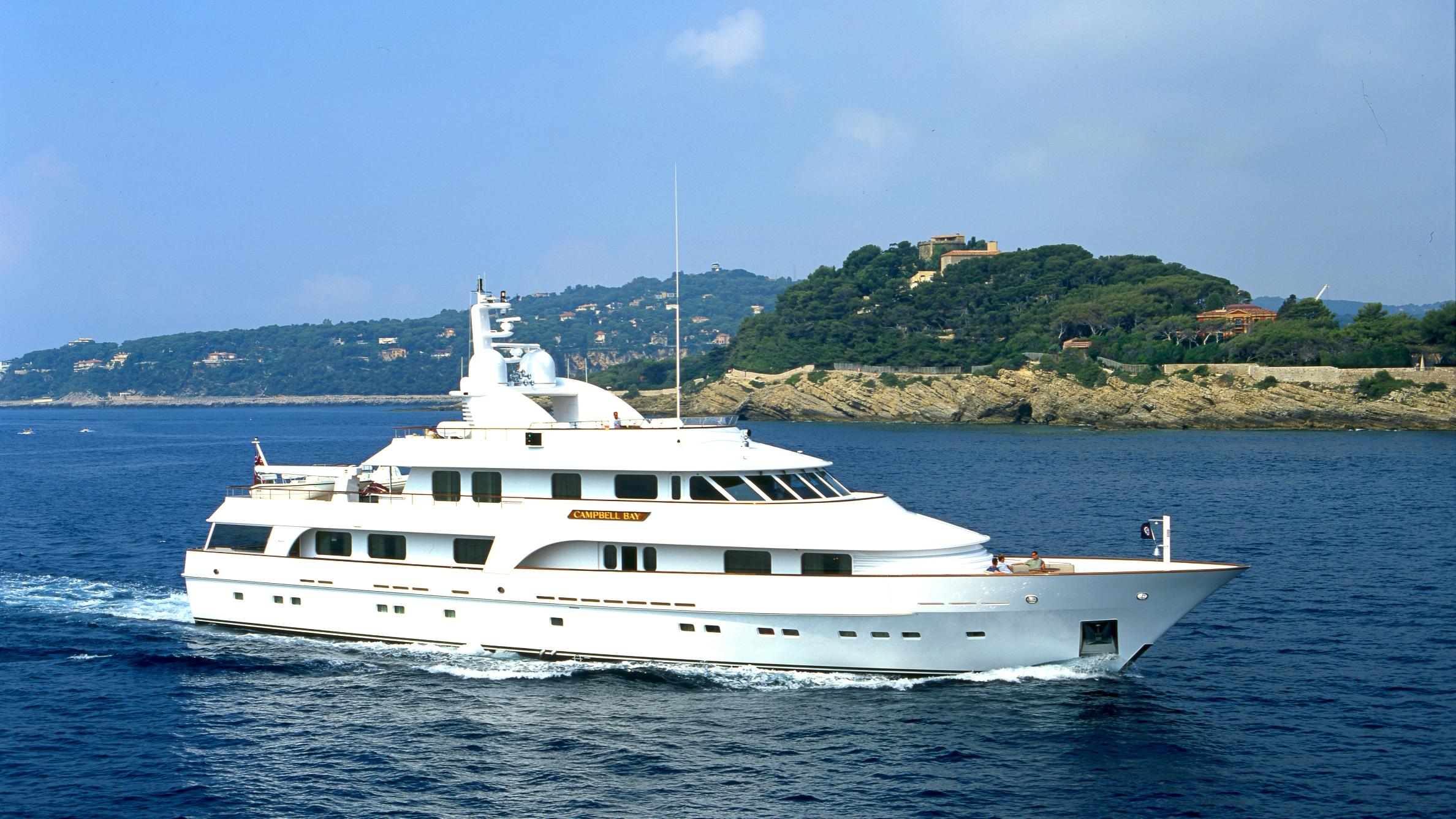 cracker-bay-yacht-for-sale-profile