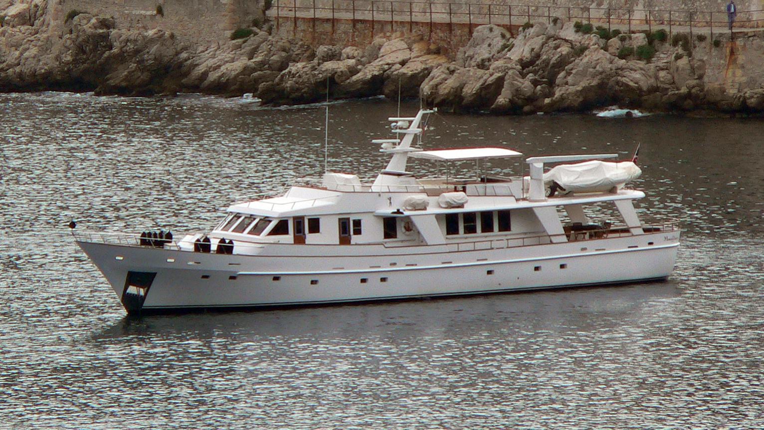aquarius-w-yacht-exterior