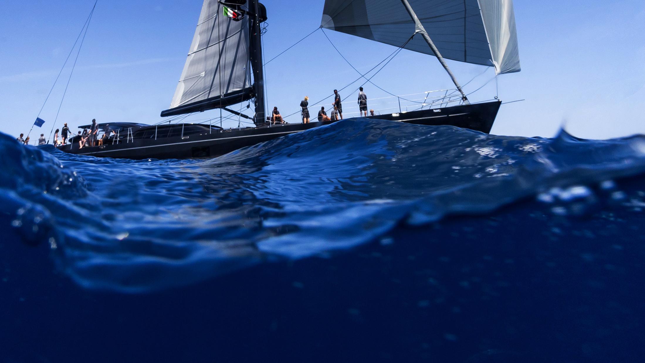moonbird-yacht-sailing