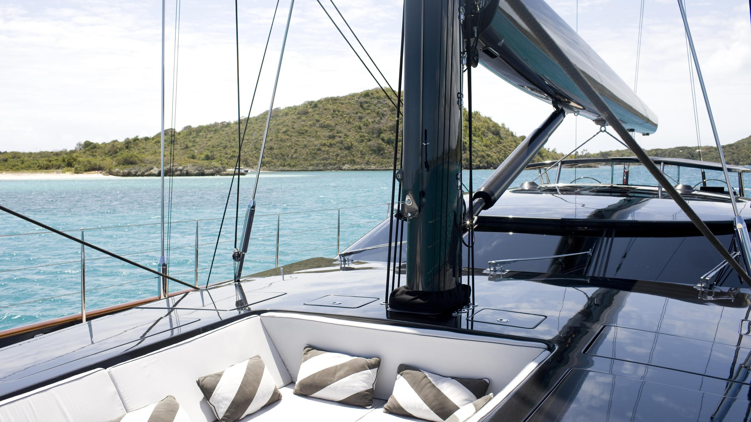 moonbird-yacht-sunpads