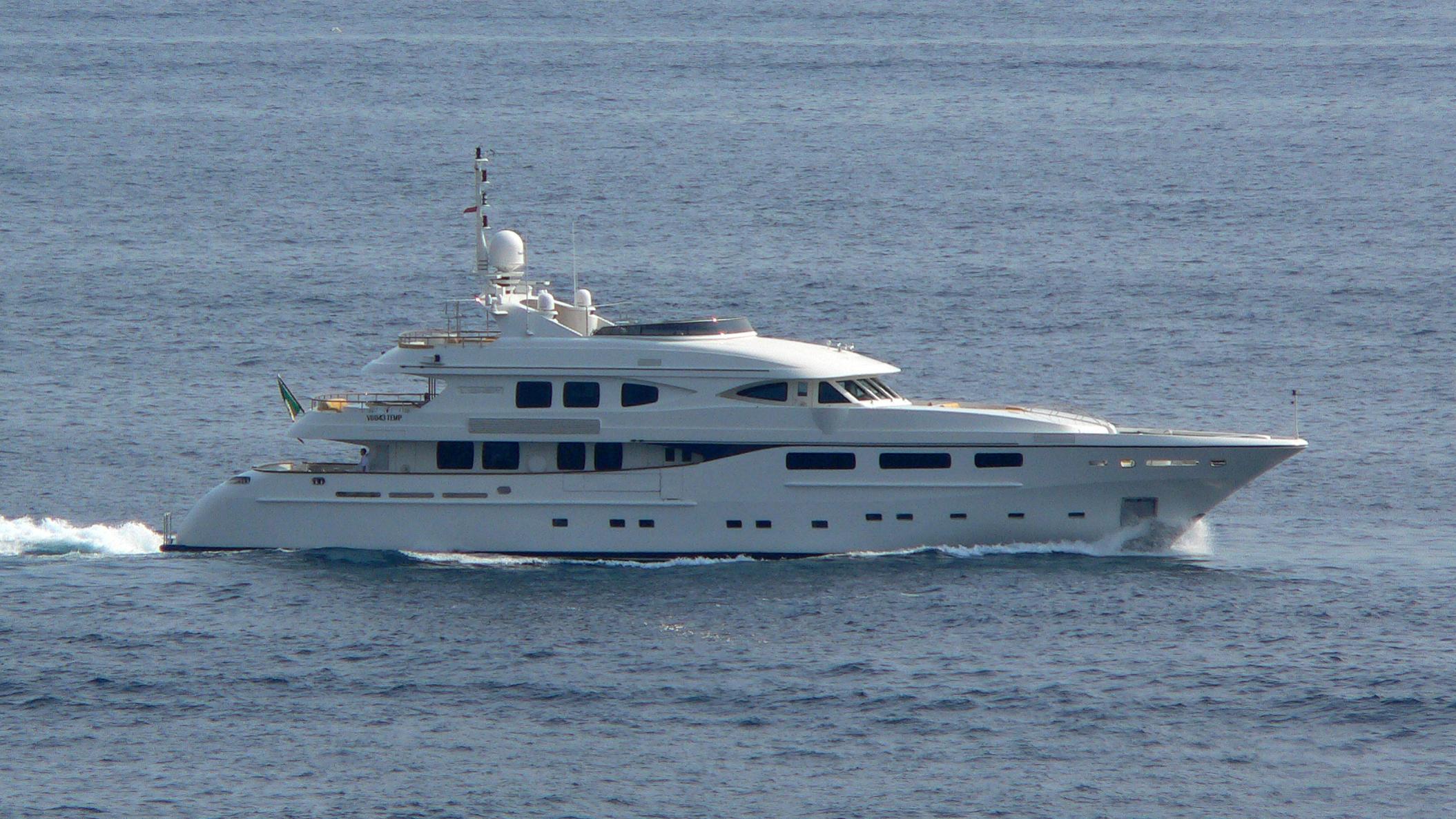 lighea-yacht-exterior