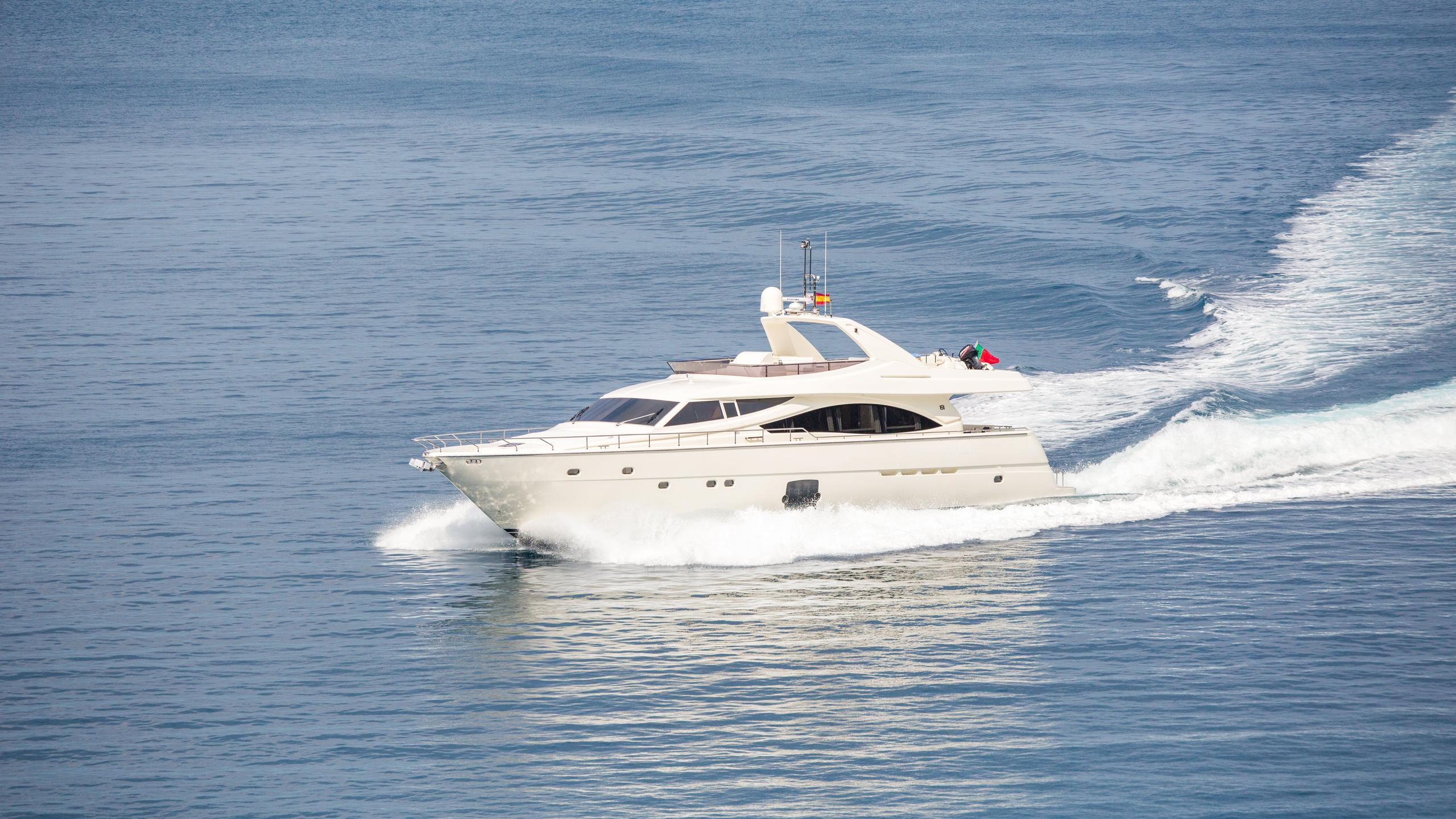 monticello-ii-yacht-cruising