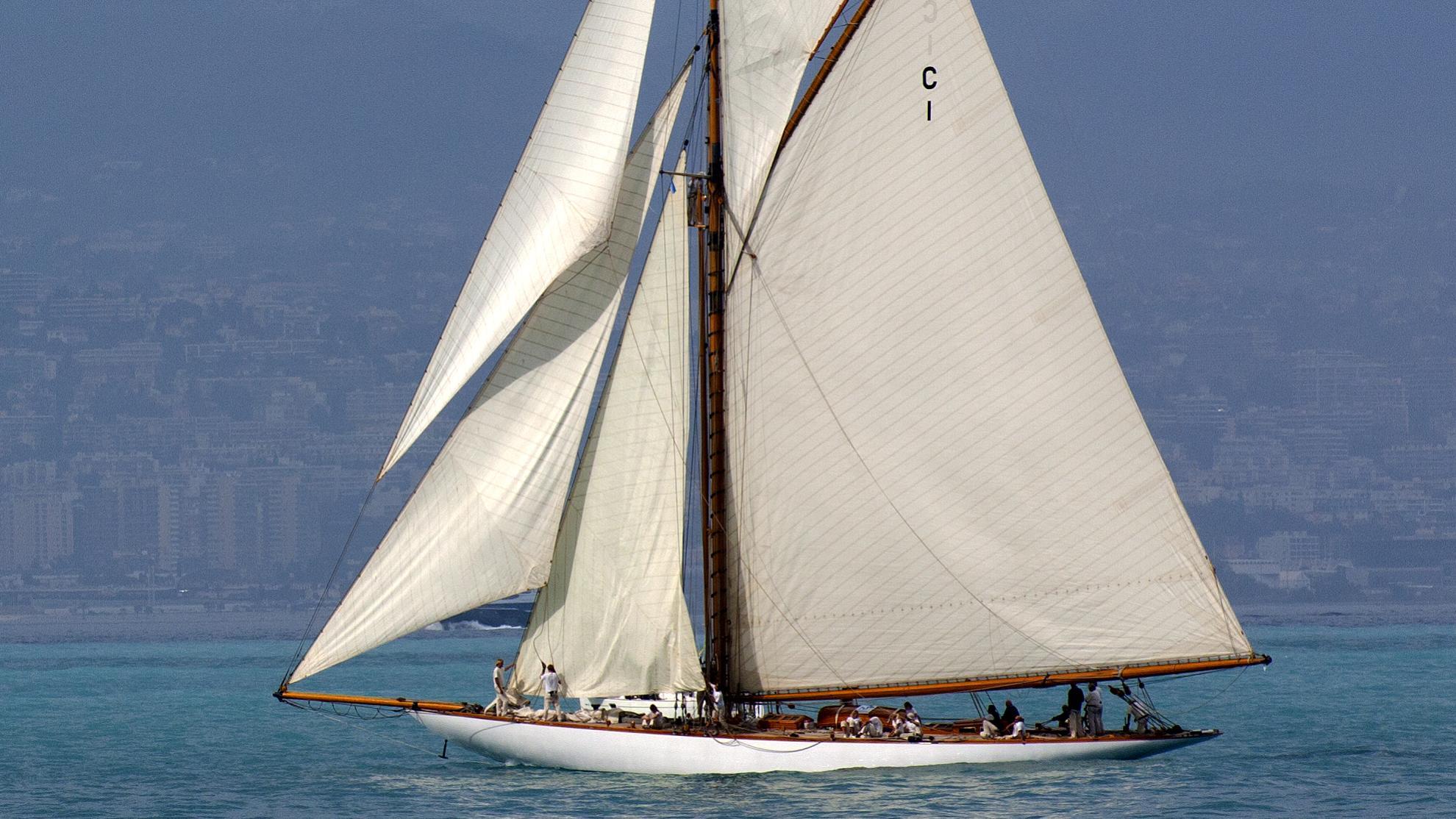 mariquita-yacht-exterior