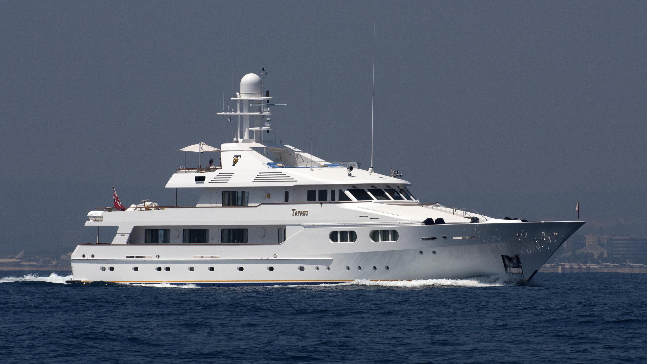 tatasu-yacht-exterior
