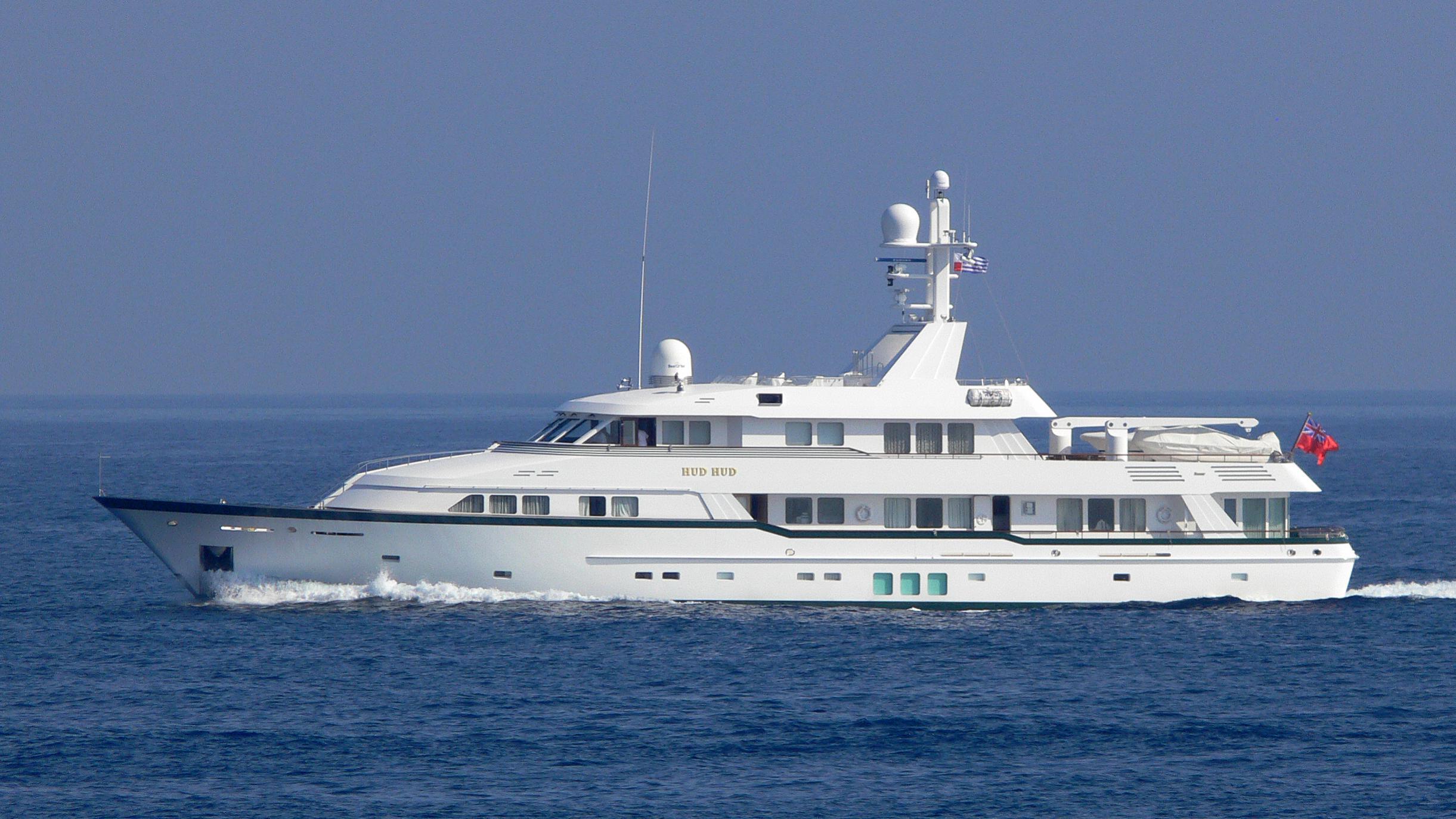 hud-hud-yacht-exterior