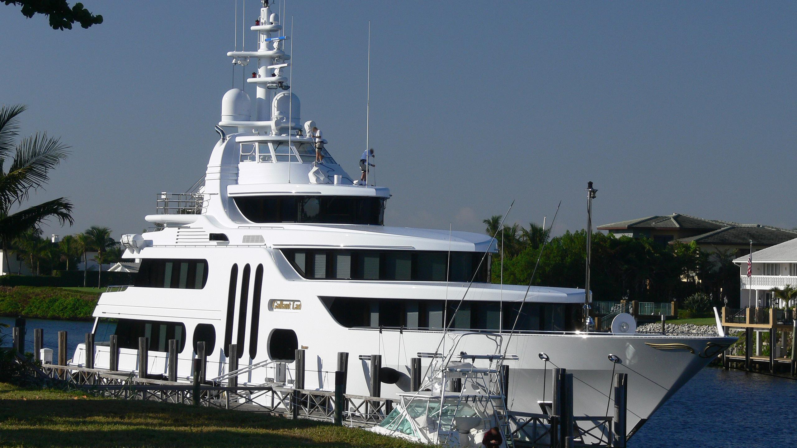 gallant-lady-yacht-exterior