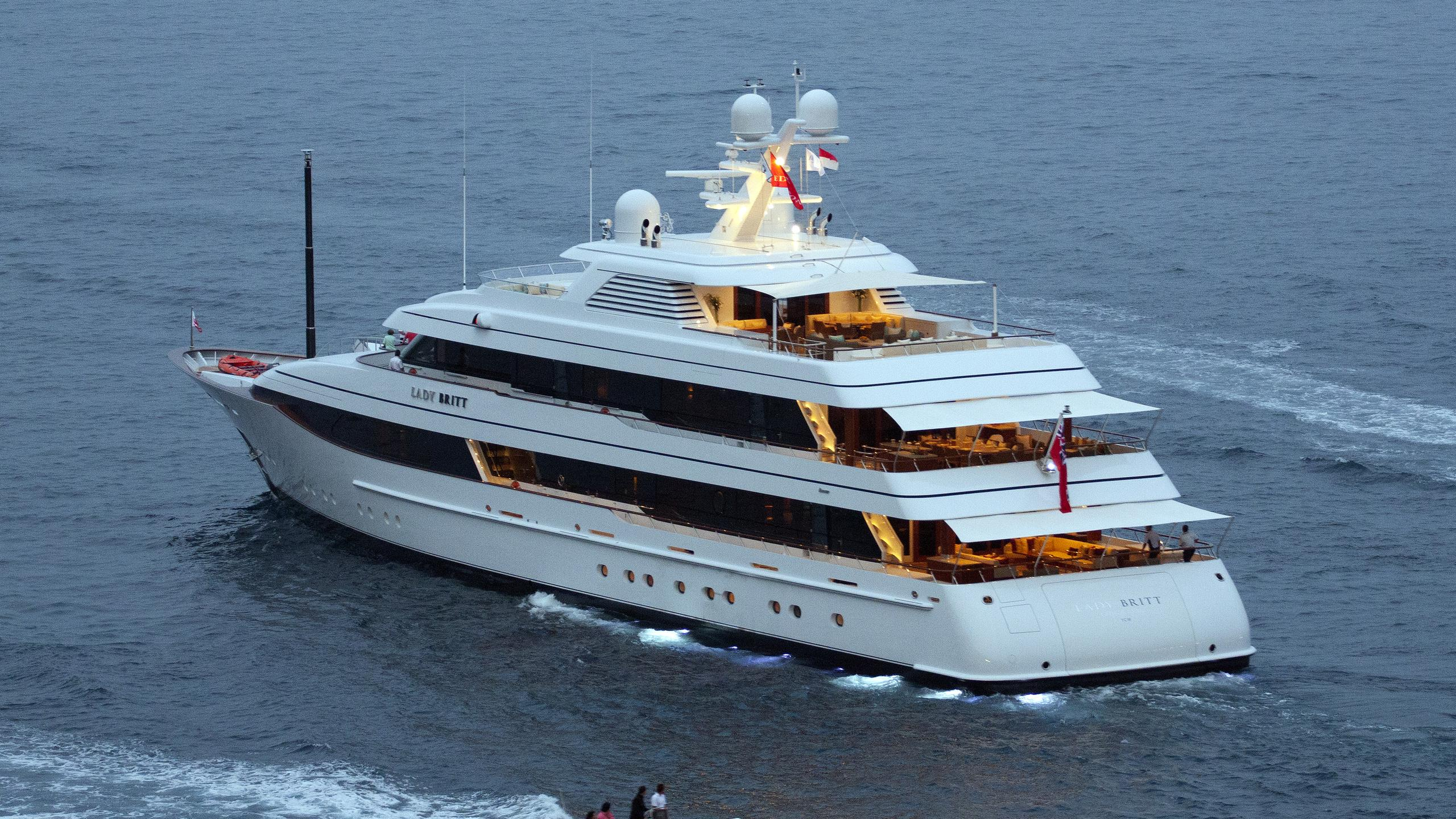 lady-britt-yacht-exterior
