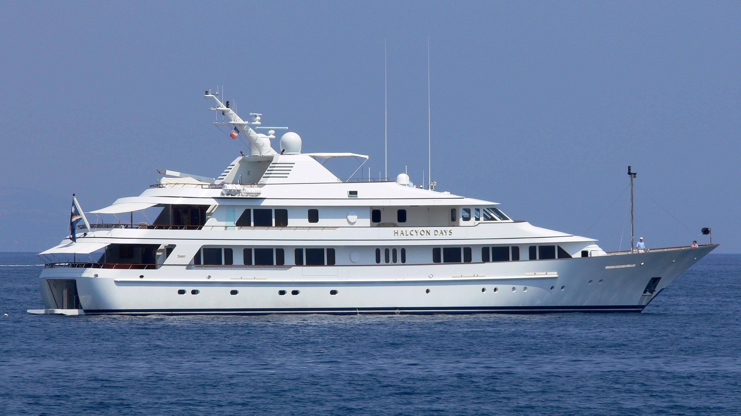 rasselas-yacht-exterior
