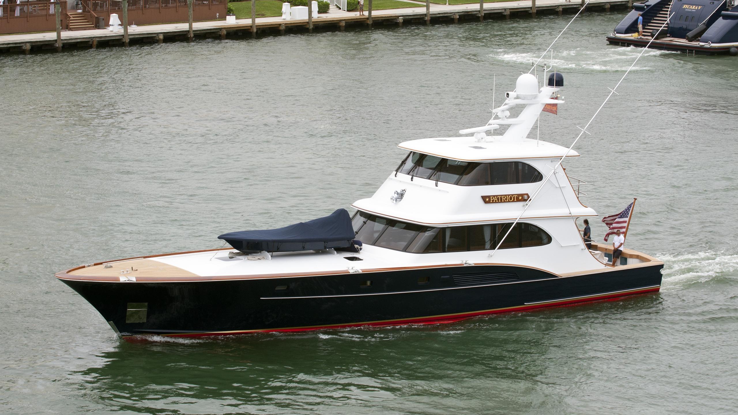 patriot-yacht-exterior