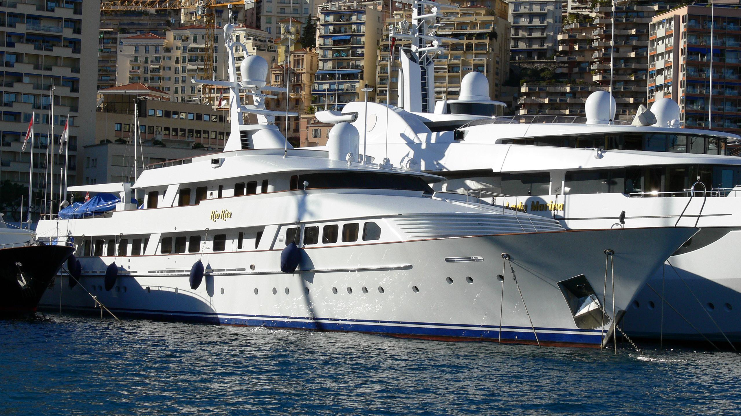 rio-rita-yacht-exterior