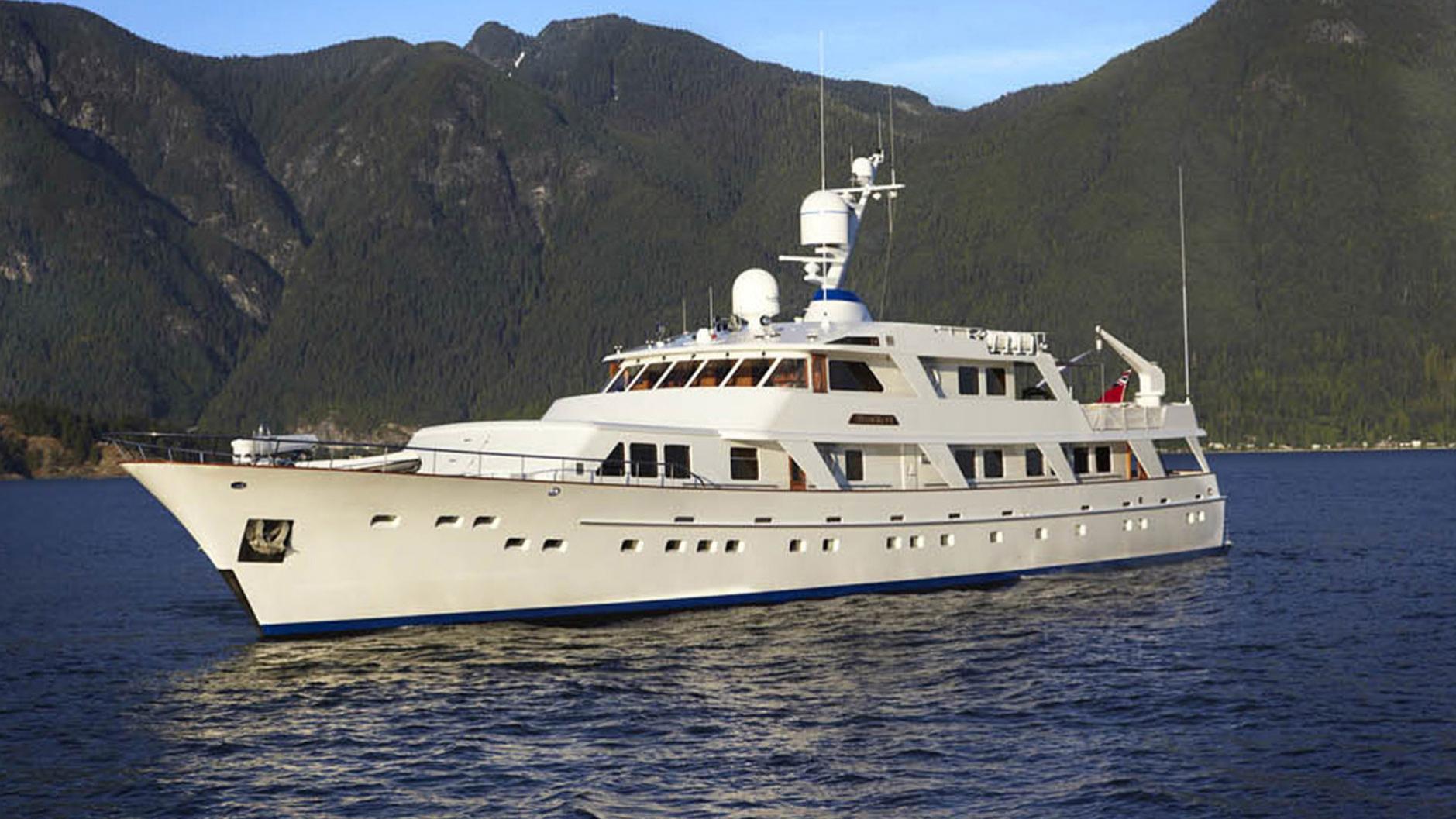 strangelove-yacht-for-sale-profile