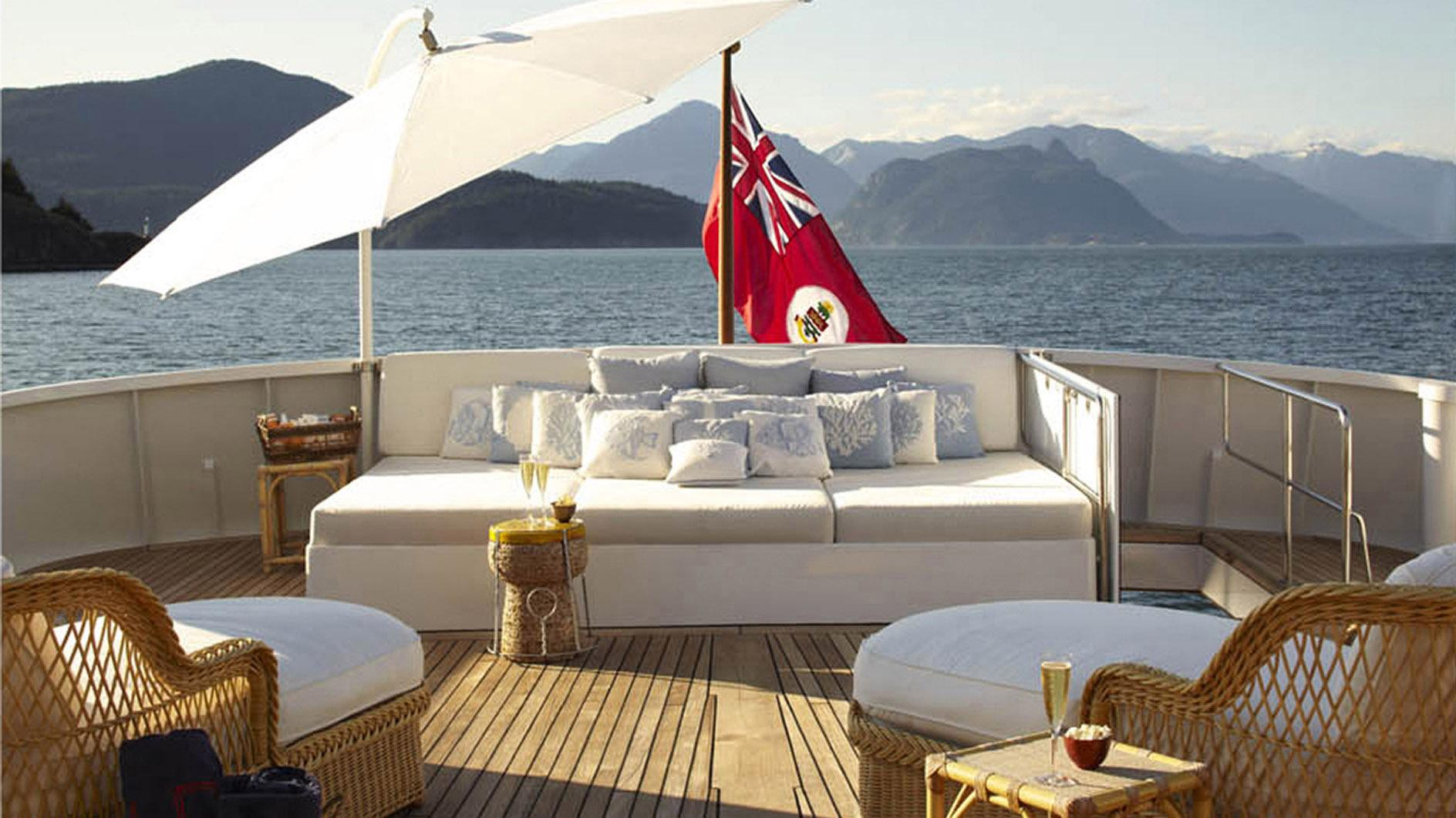 strangelove-yacht-sun-deck