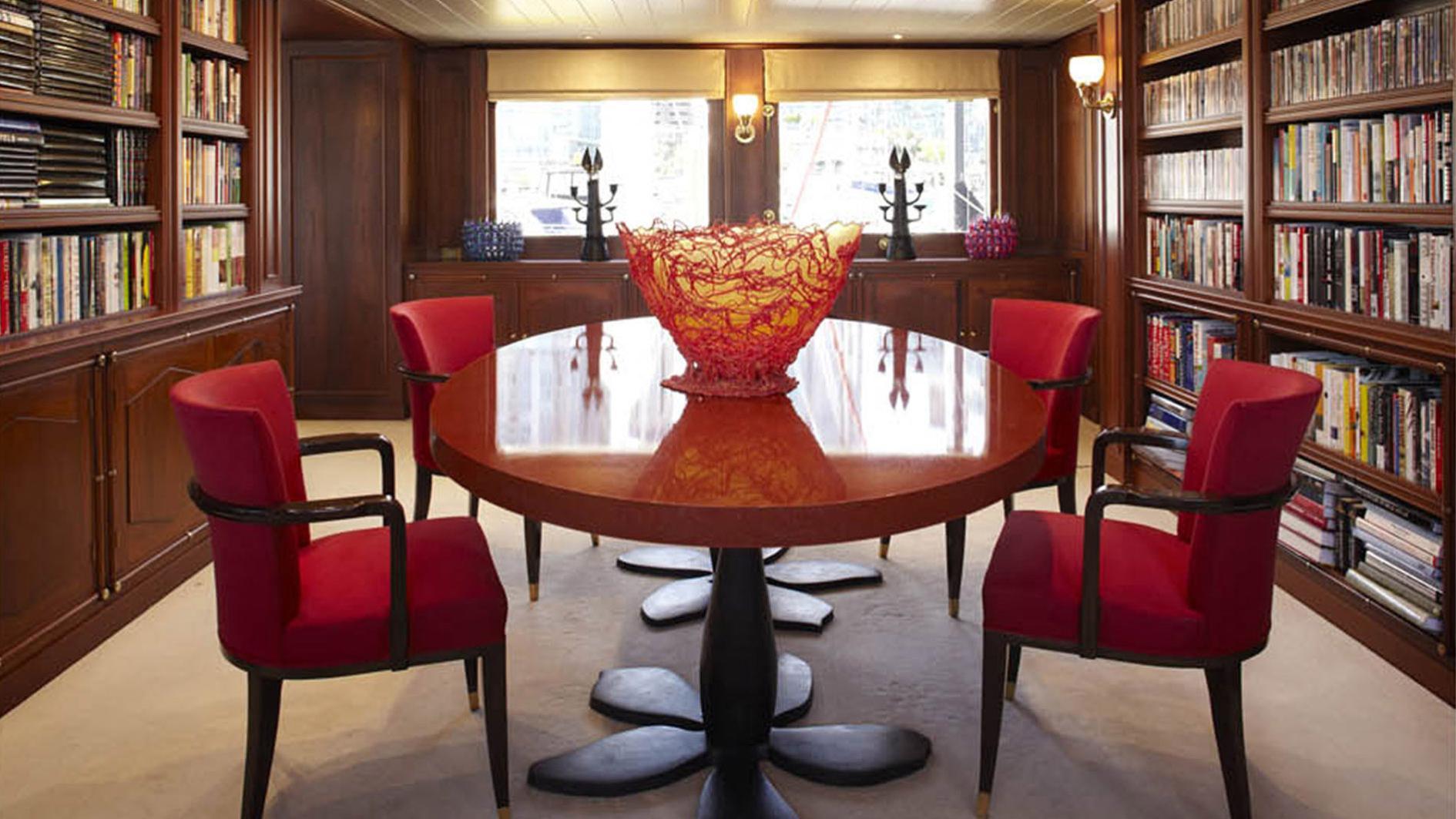 strangelove-yacht-formal-dining