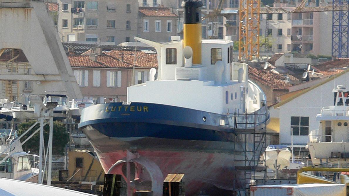 lutteur-yacht-exterior