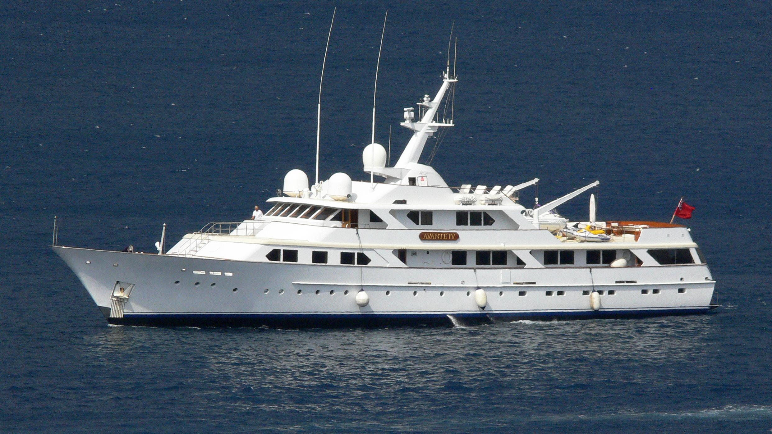 mirage-motor-yacht-feadship-1979-53m-profile-before-refit