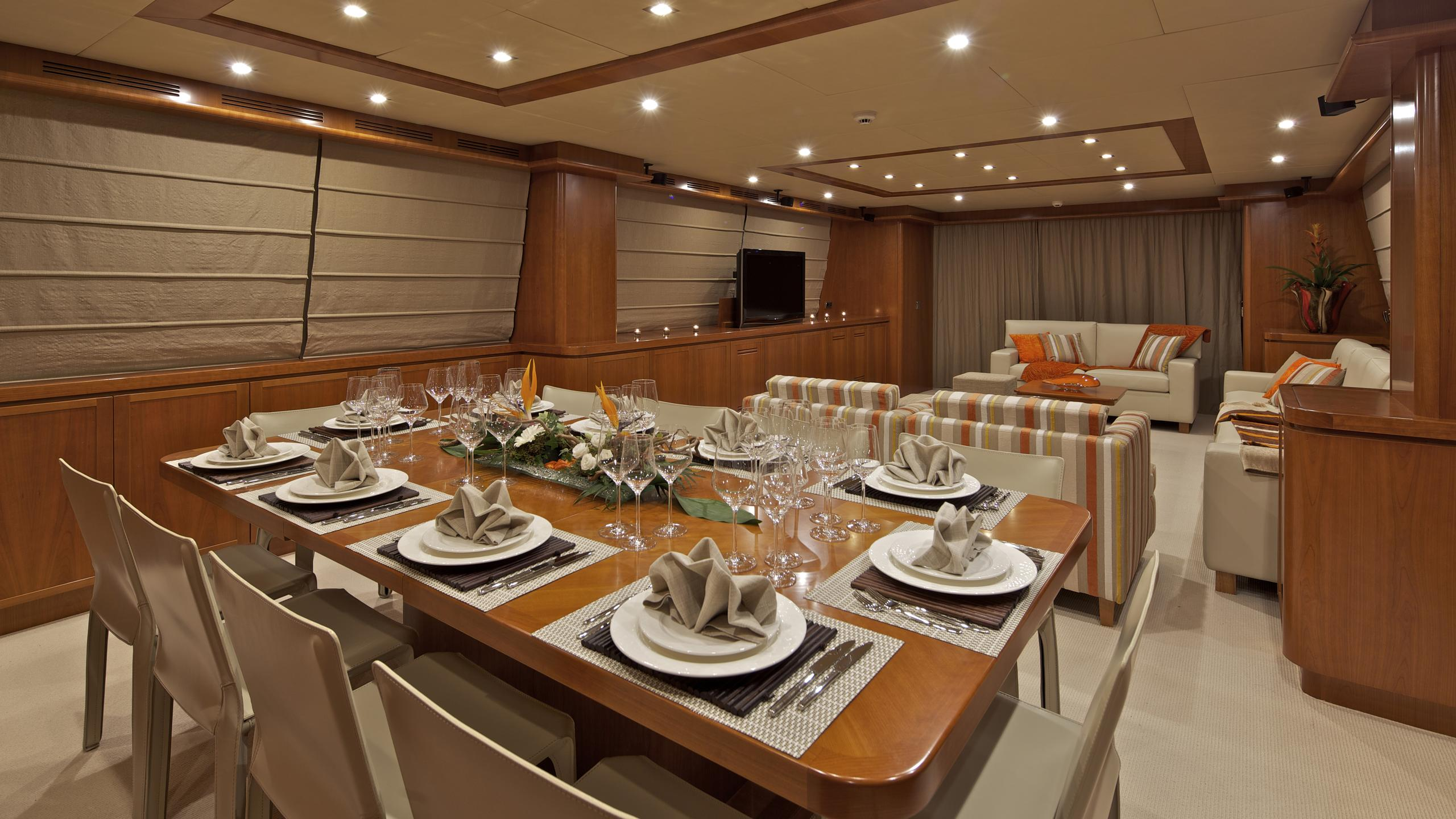 helios-yacht-formal-dining