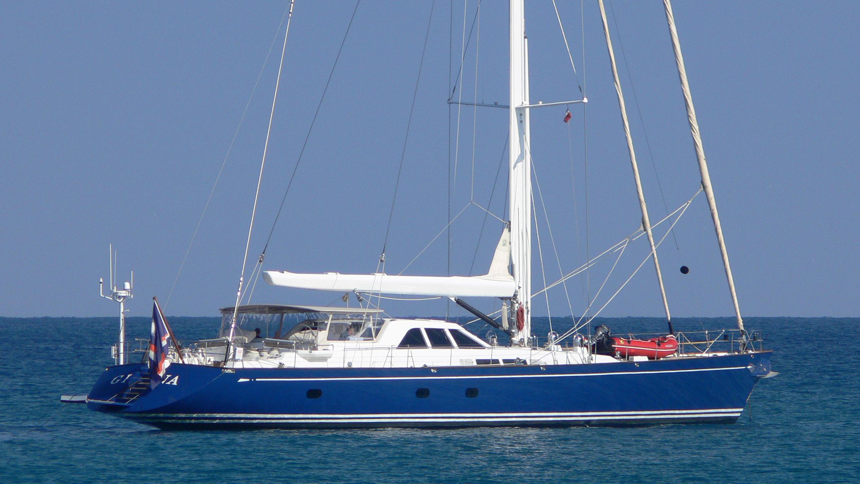 kawil-yacht-exterior