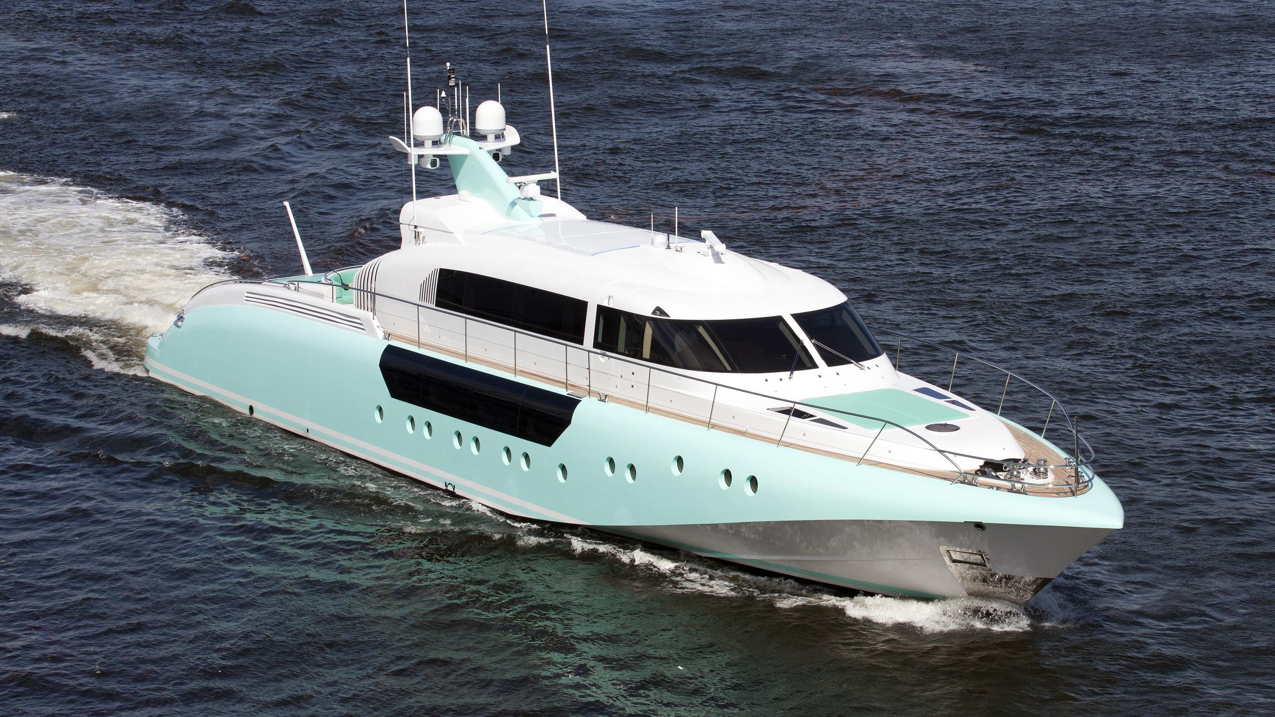 moon-goddess-yacht-exterior