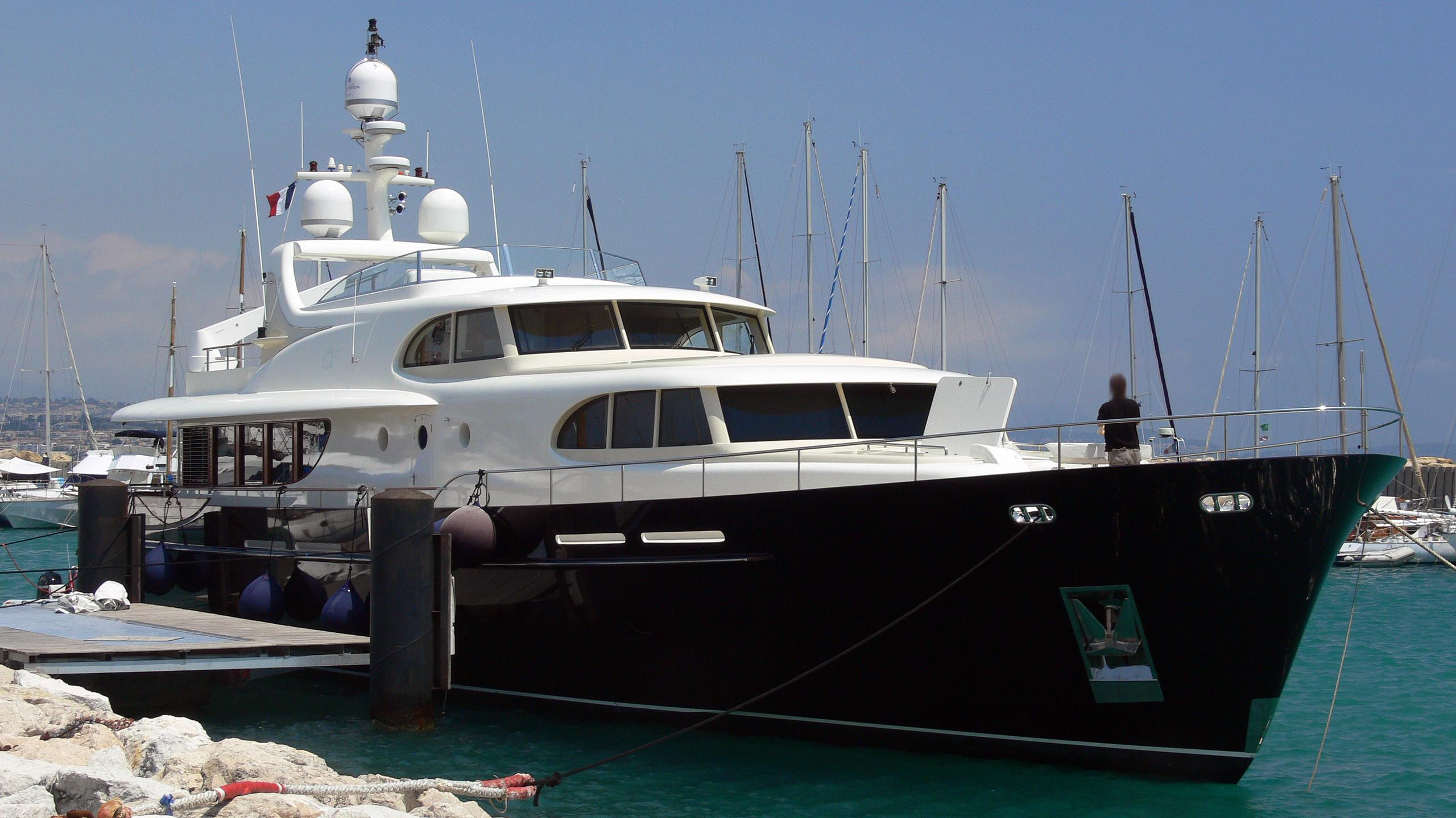 angel-of-joy-yacht-exterior