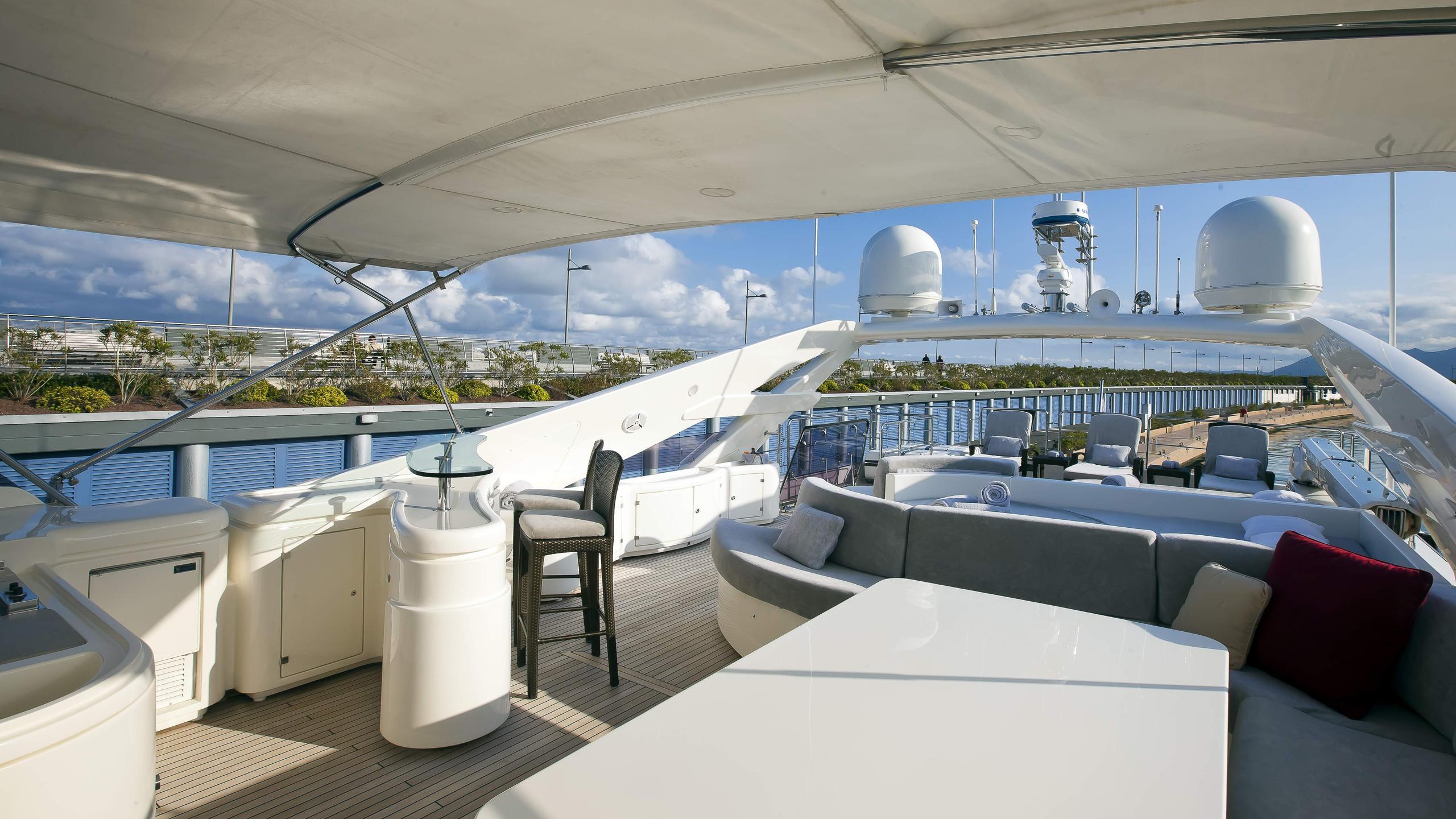 lady-maria-yacht-sun-deck