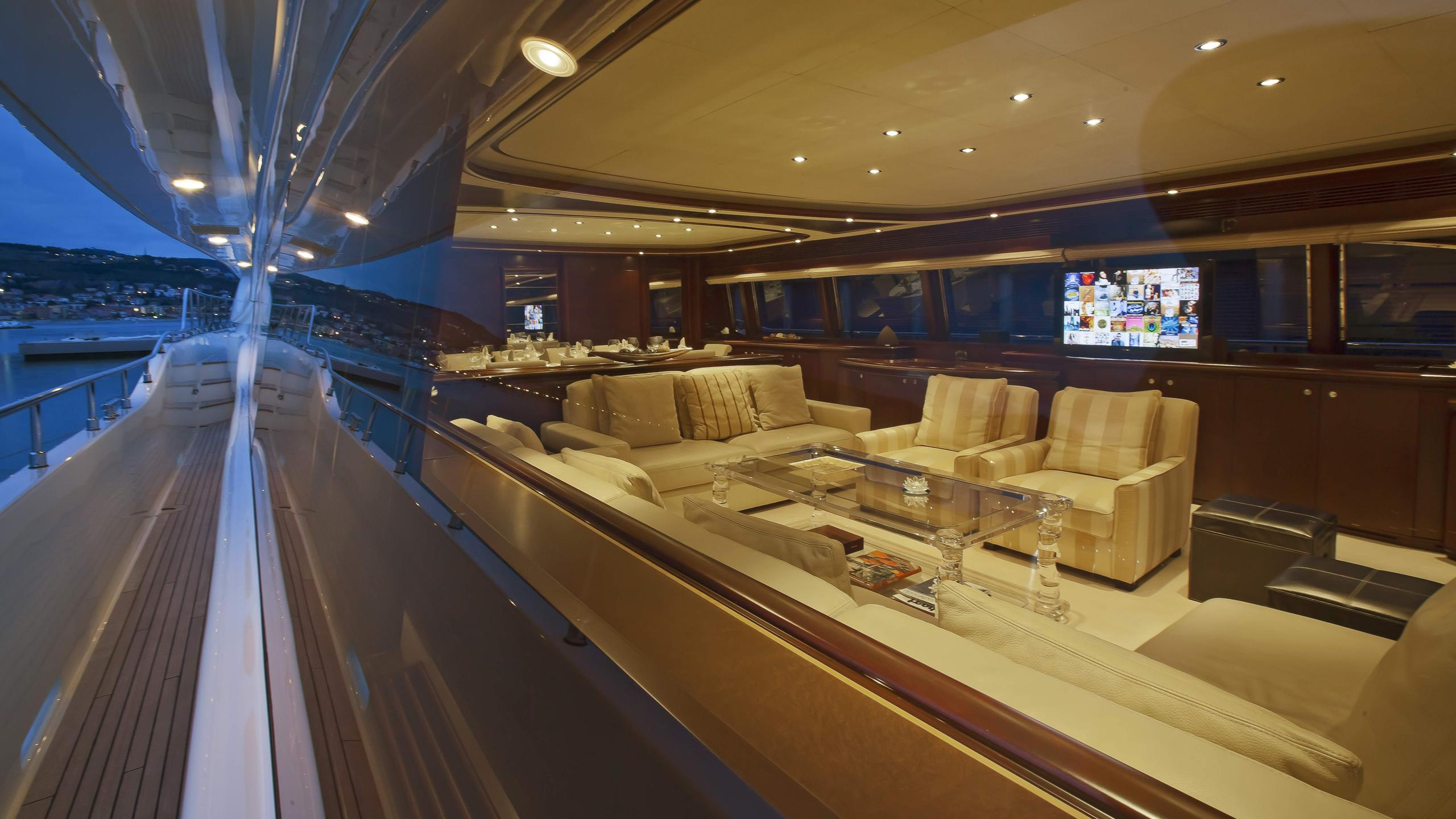 lady-maria-yacht-side-deck