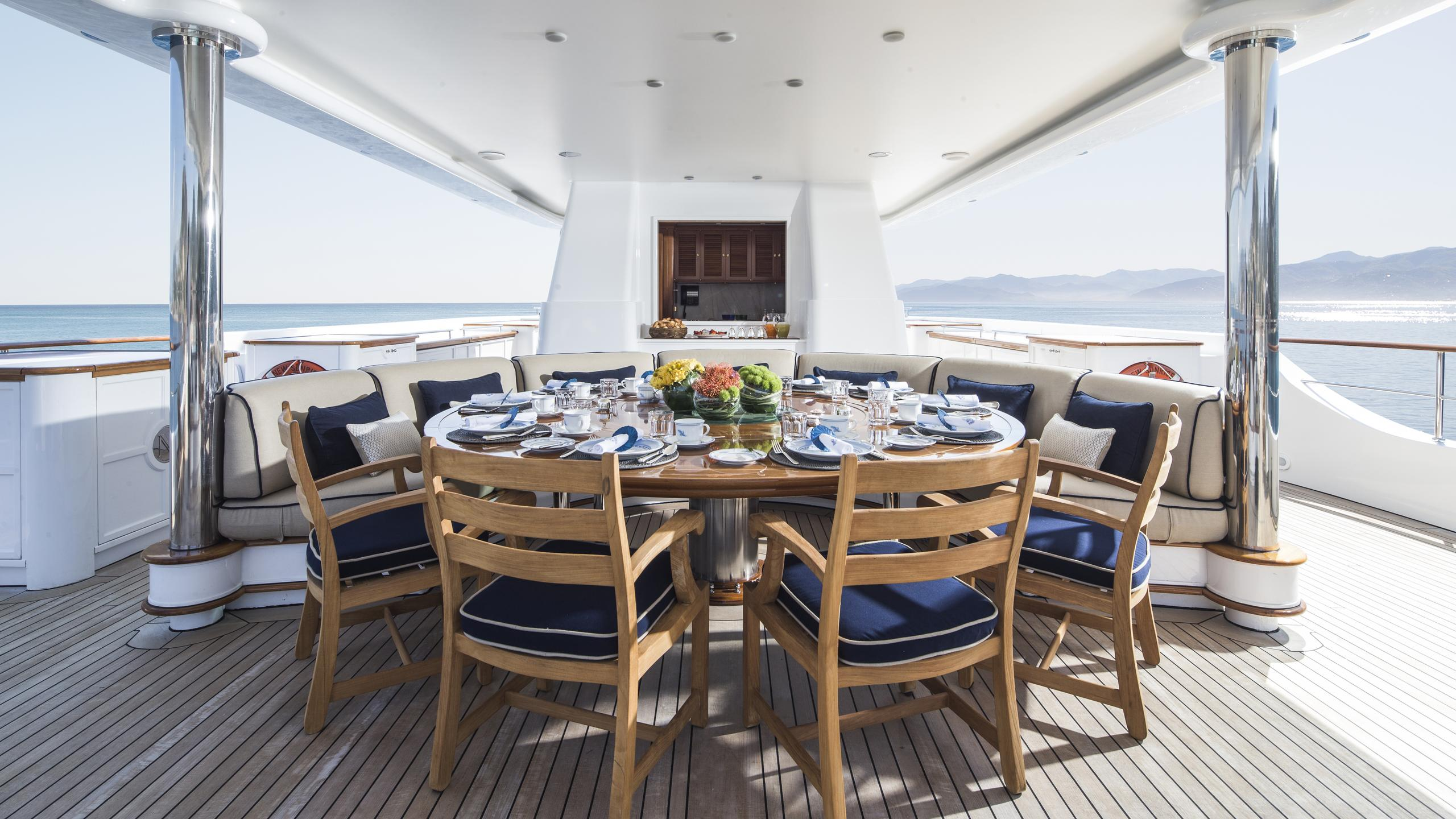 new-sunrise-yacht-exterior-dining
