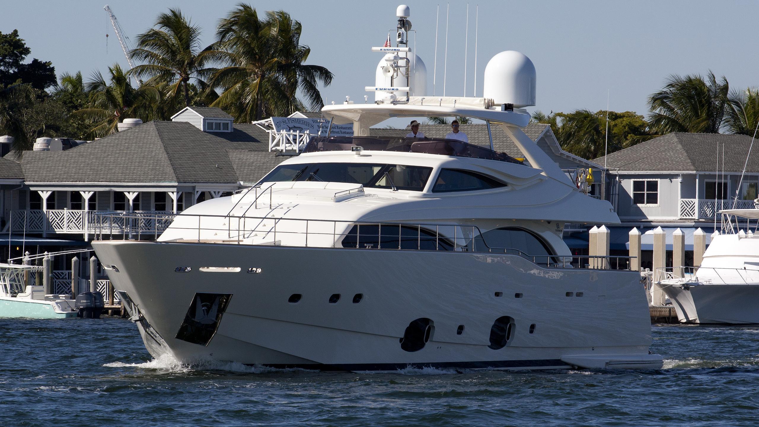 soleado-yacht-exterior