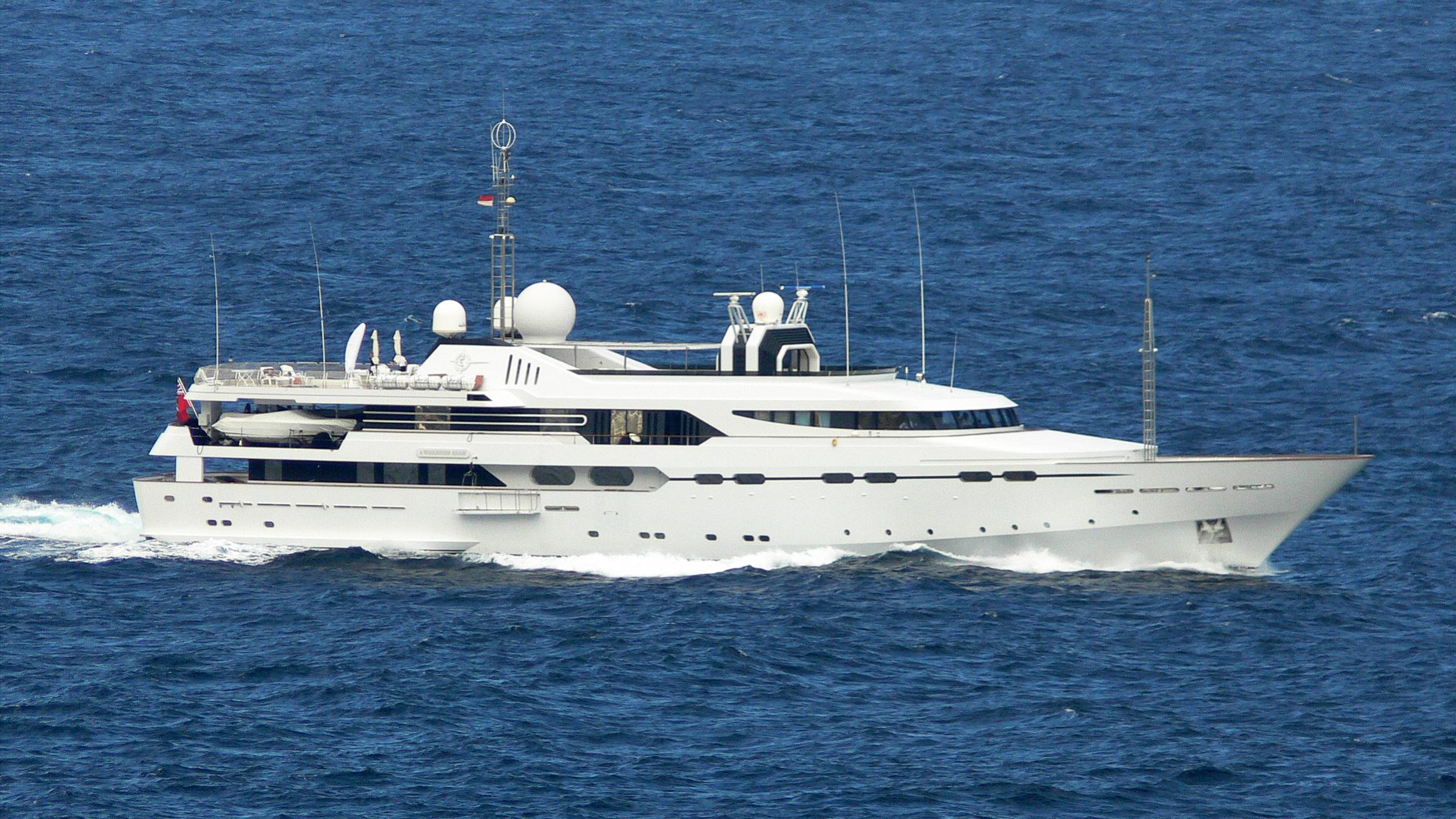 il-vagabondo-yacht-exterior