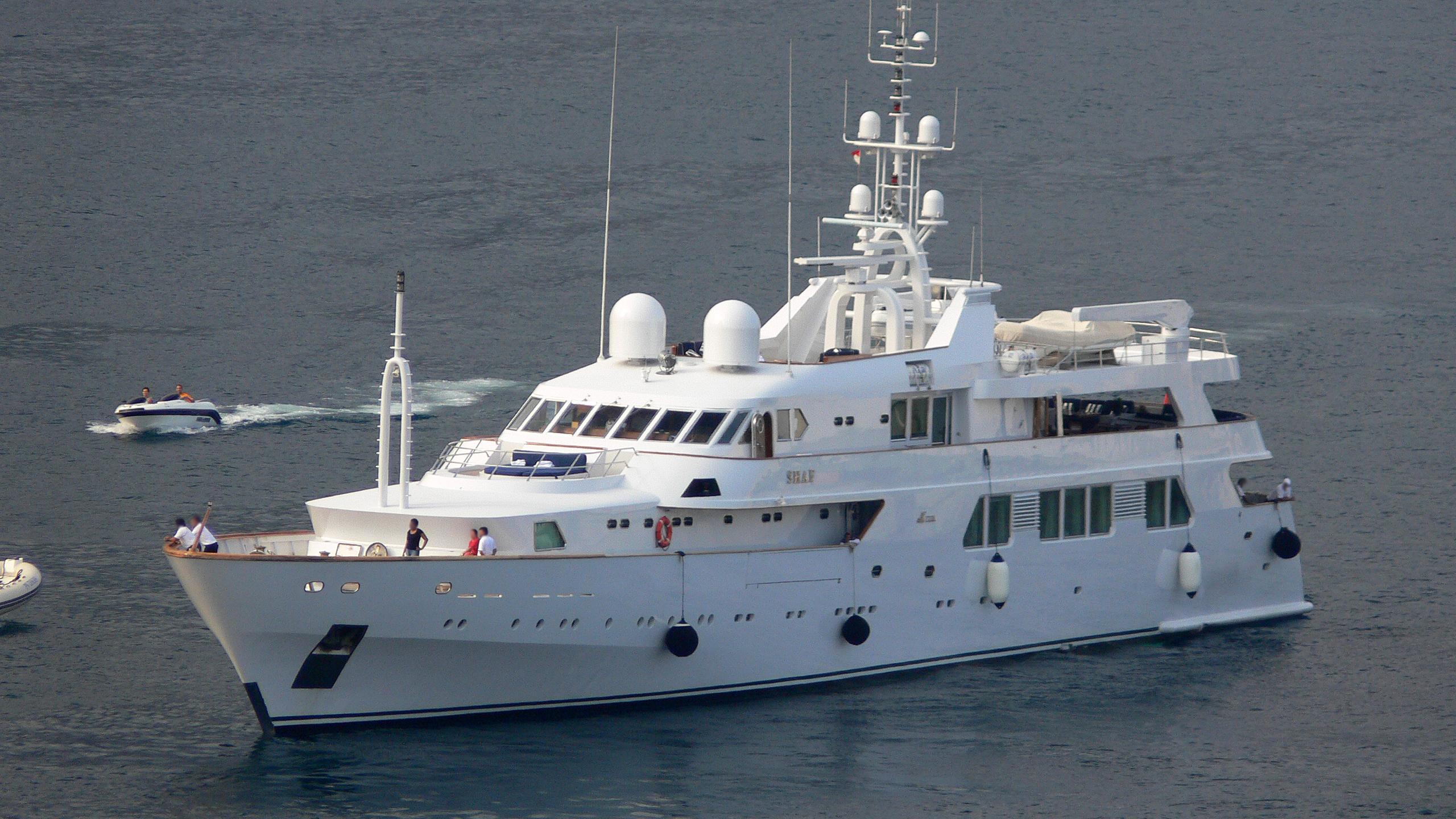 shaf-yacht-exterior