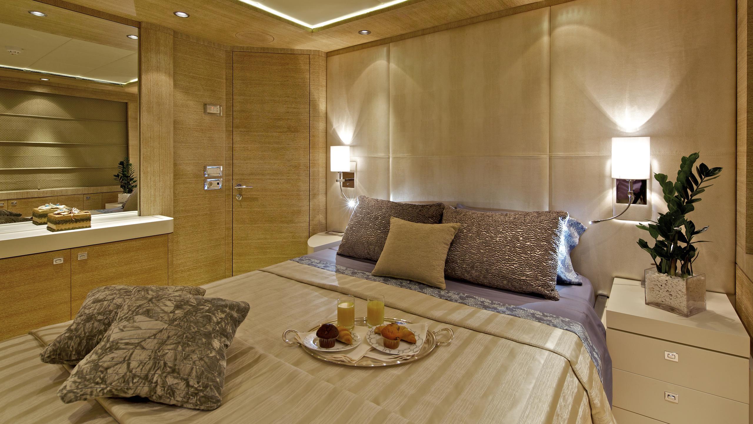 opati-yacht-vip-cabin