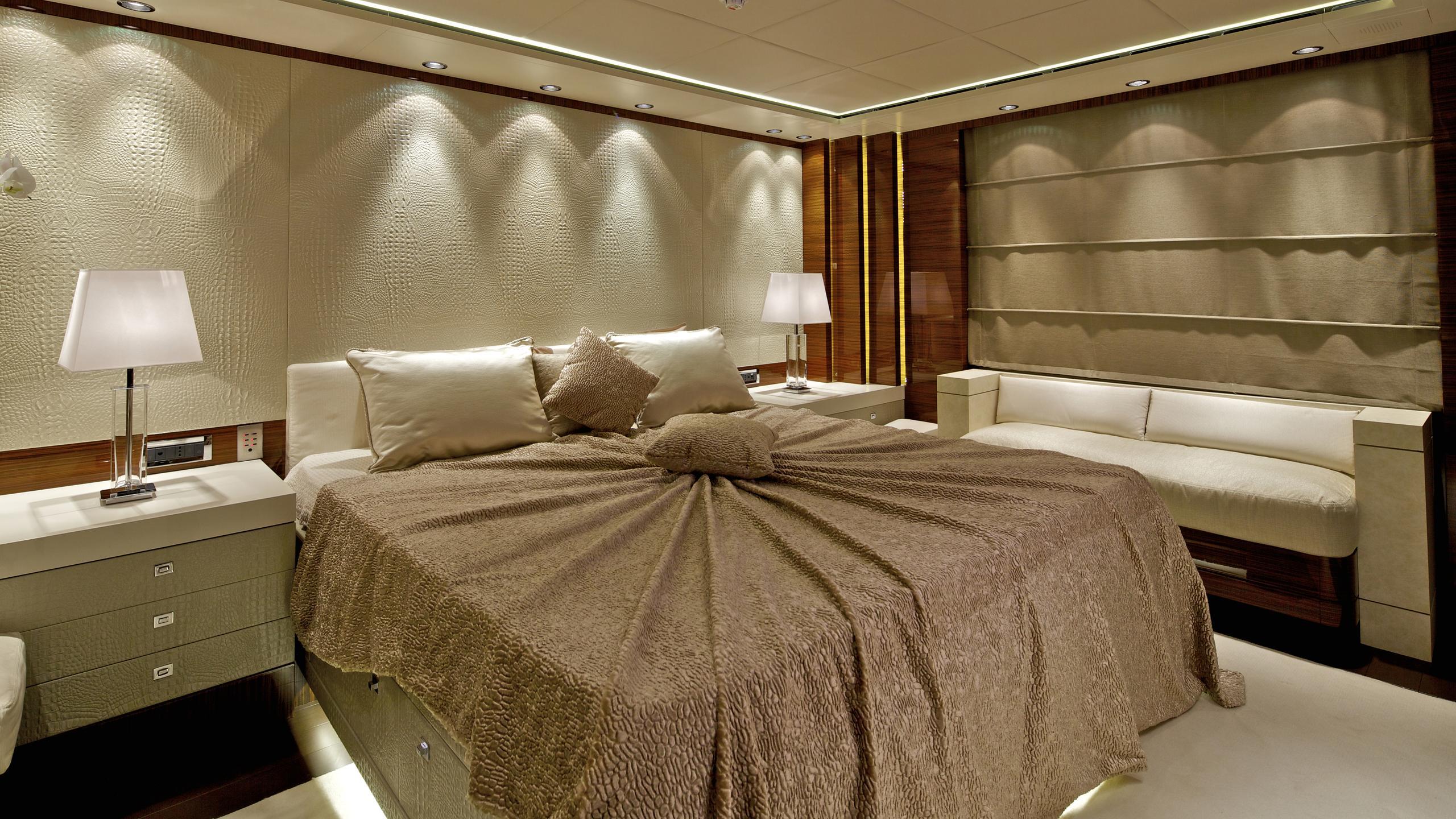 opati-yacht-master-cabin