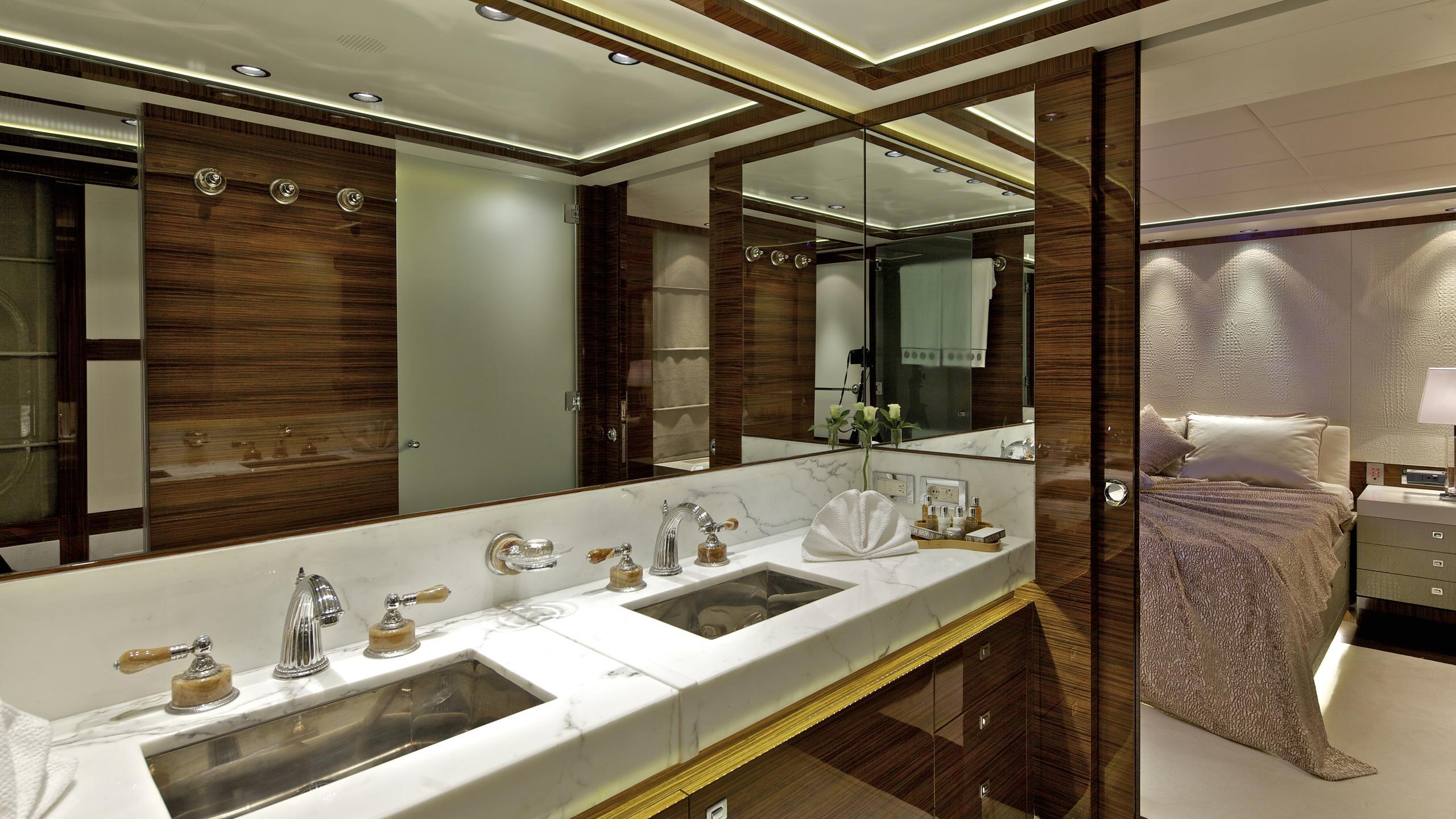 opati-yacht-master-bathroom