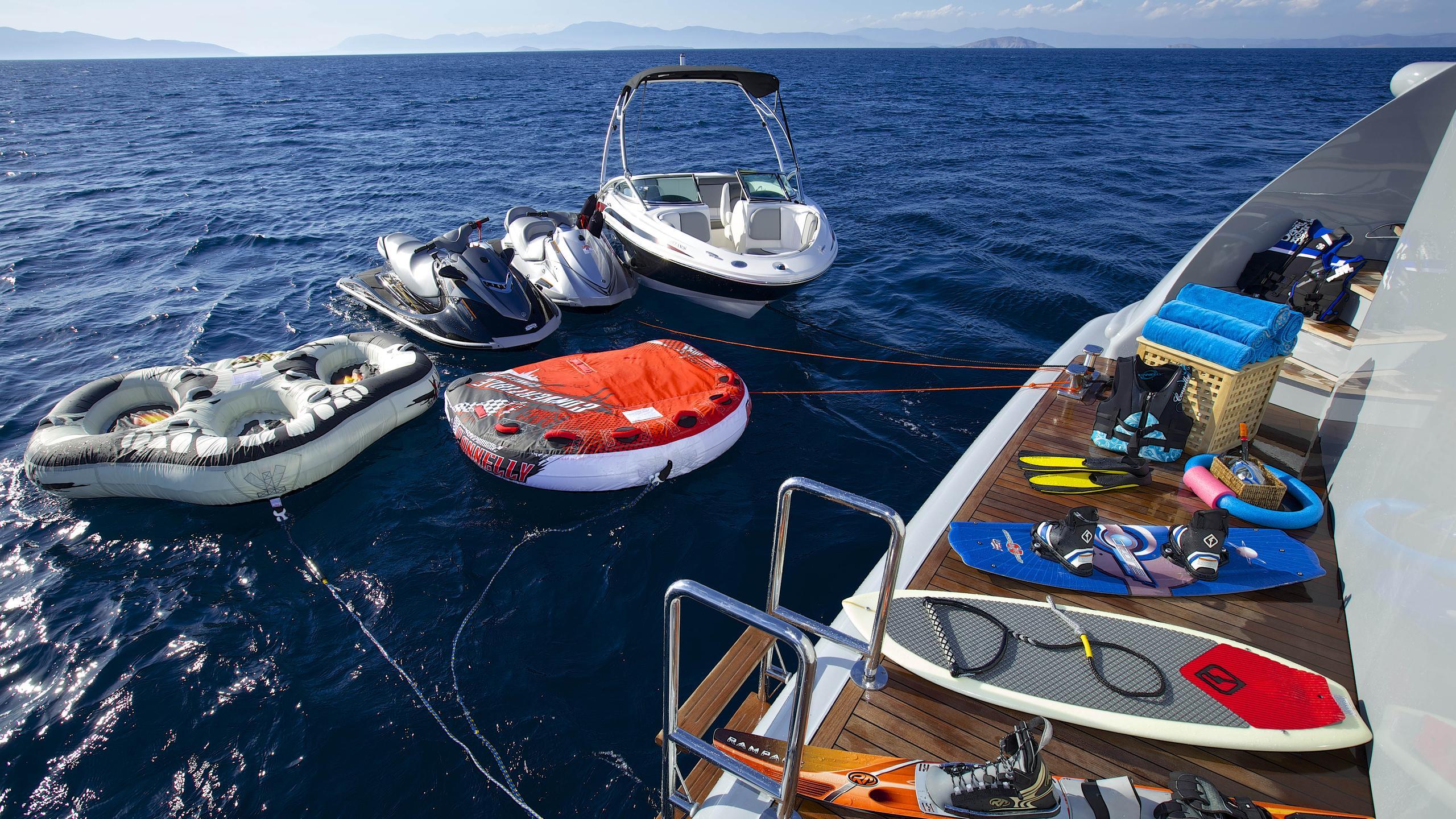 oceanos-yacht-toys