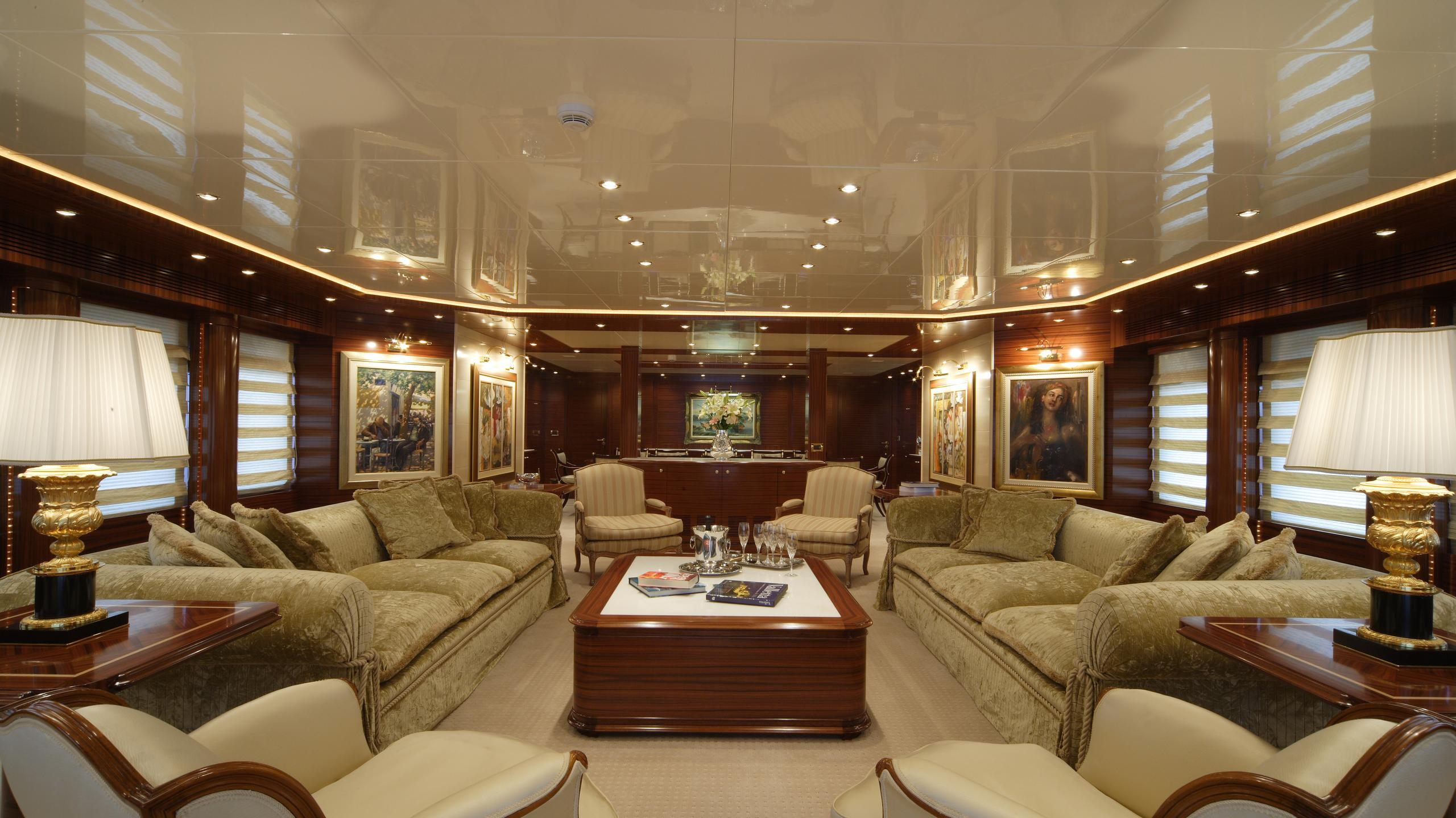 oceanos-yacht-saloon