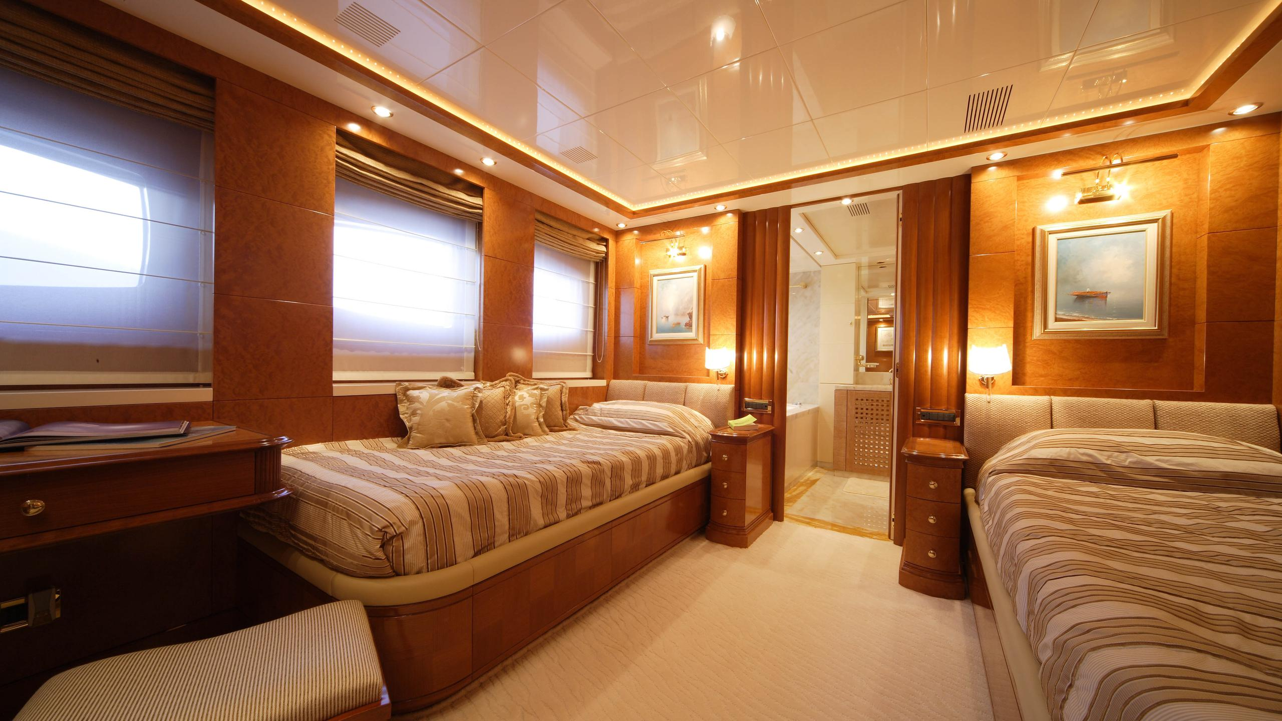 oceanos-yacht-twin-cabin
