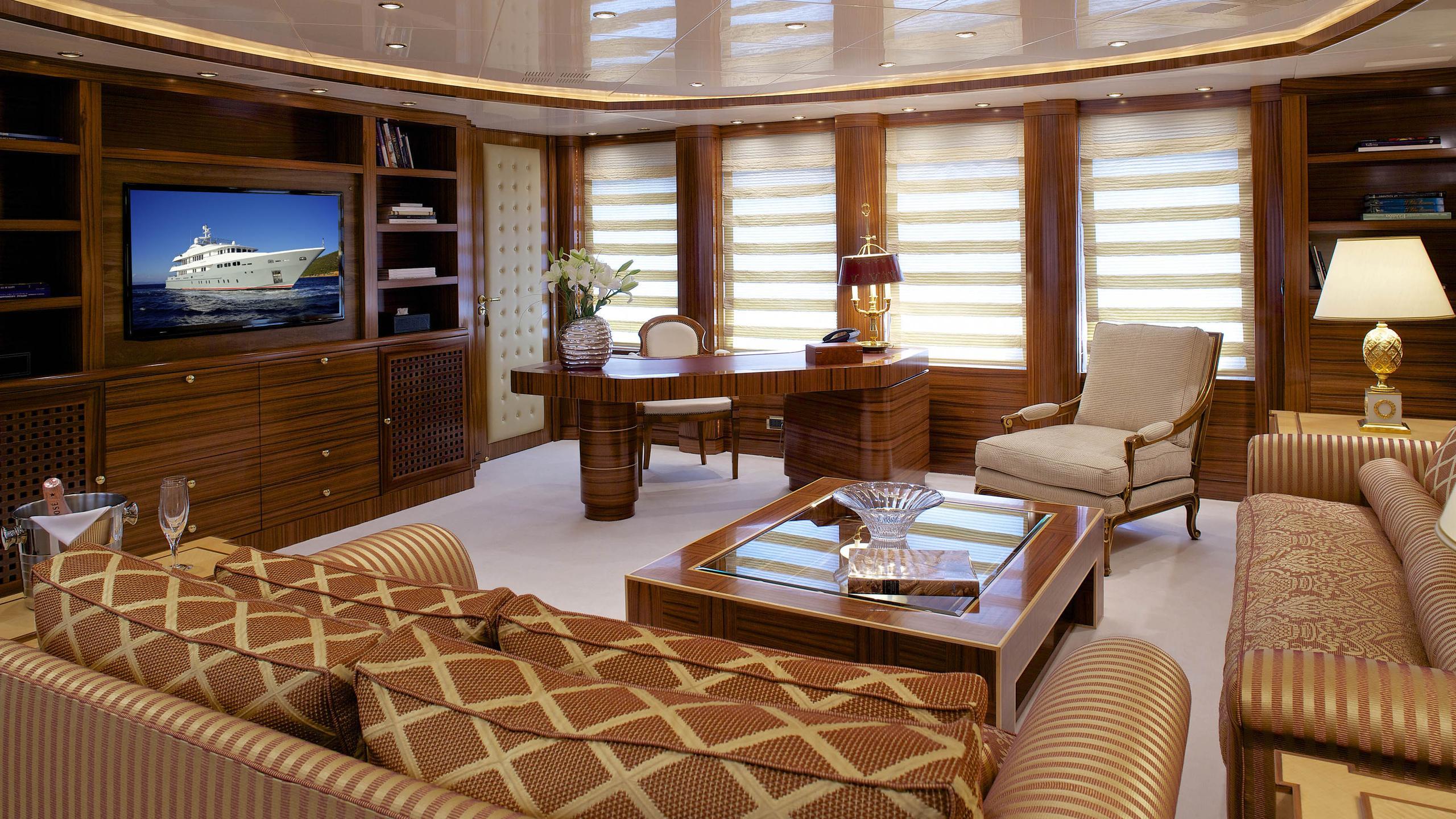 oceanos-yacht-lounge